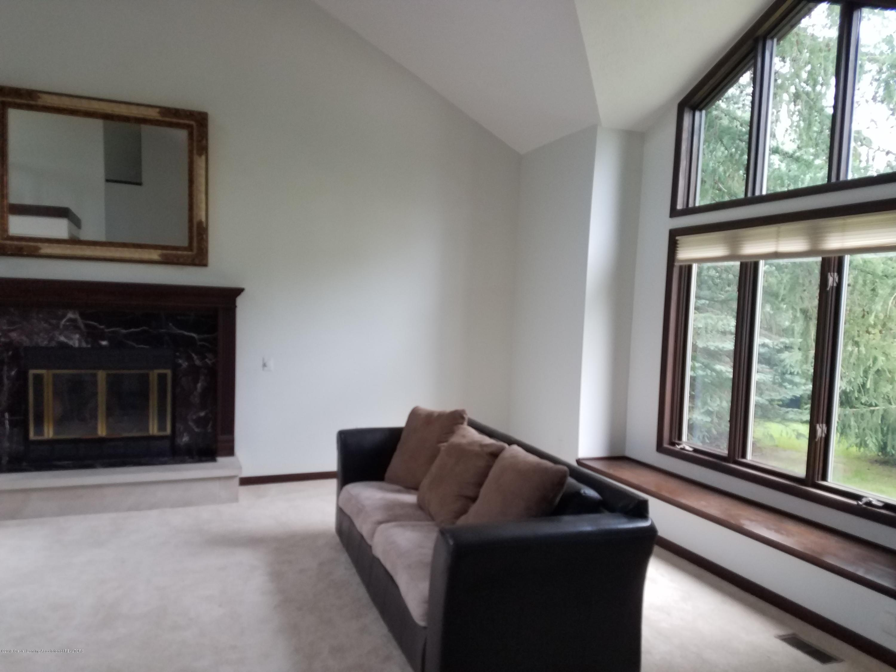 508 E Webb Dr - Living Room - 17