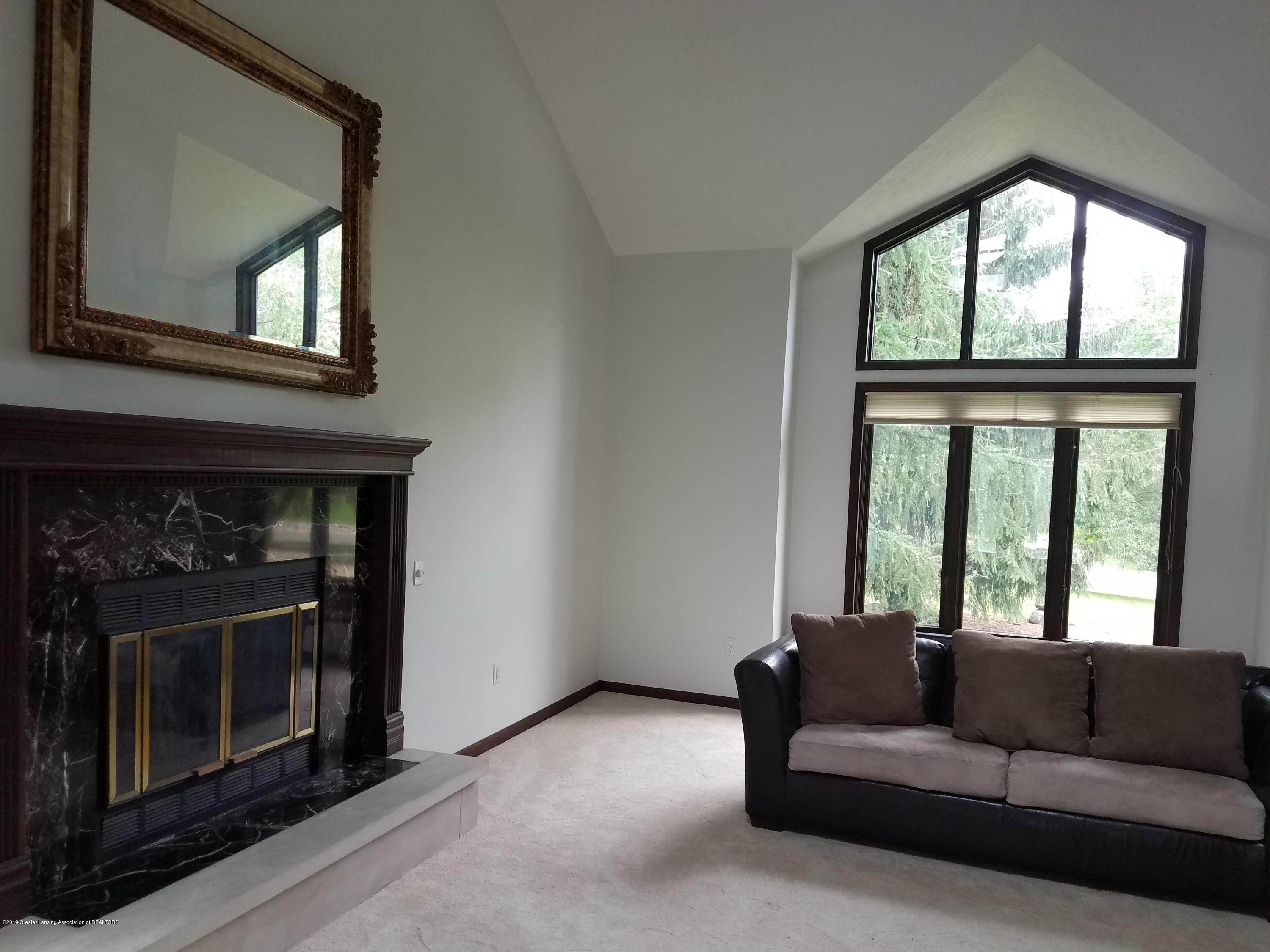 508 E Webb Dr - Living Room - 13