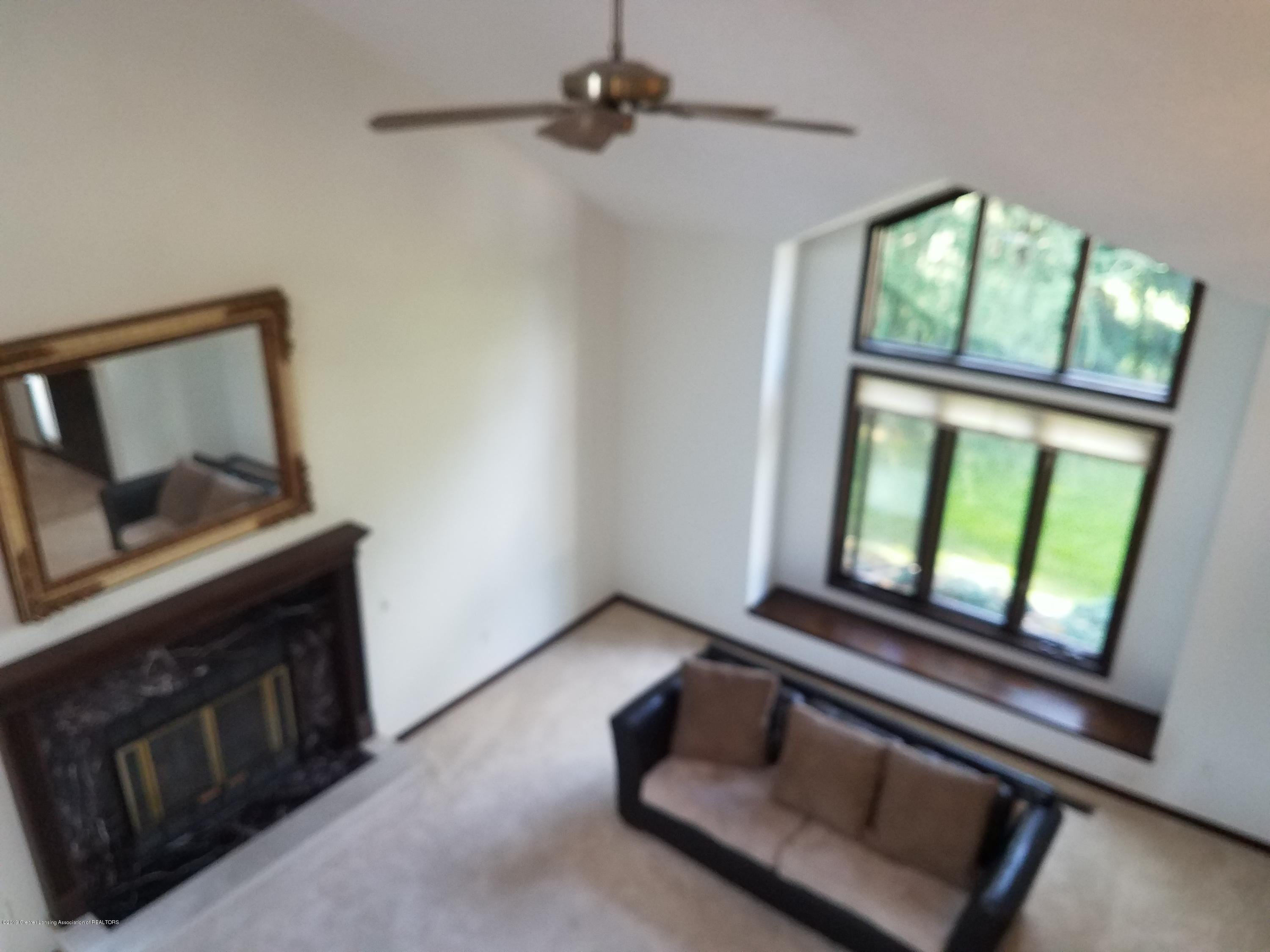 508 E Webb Dr - Living Room - 10