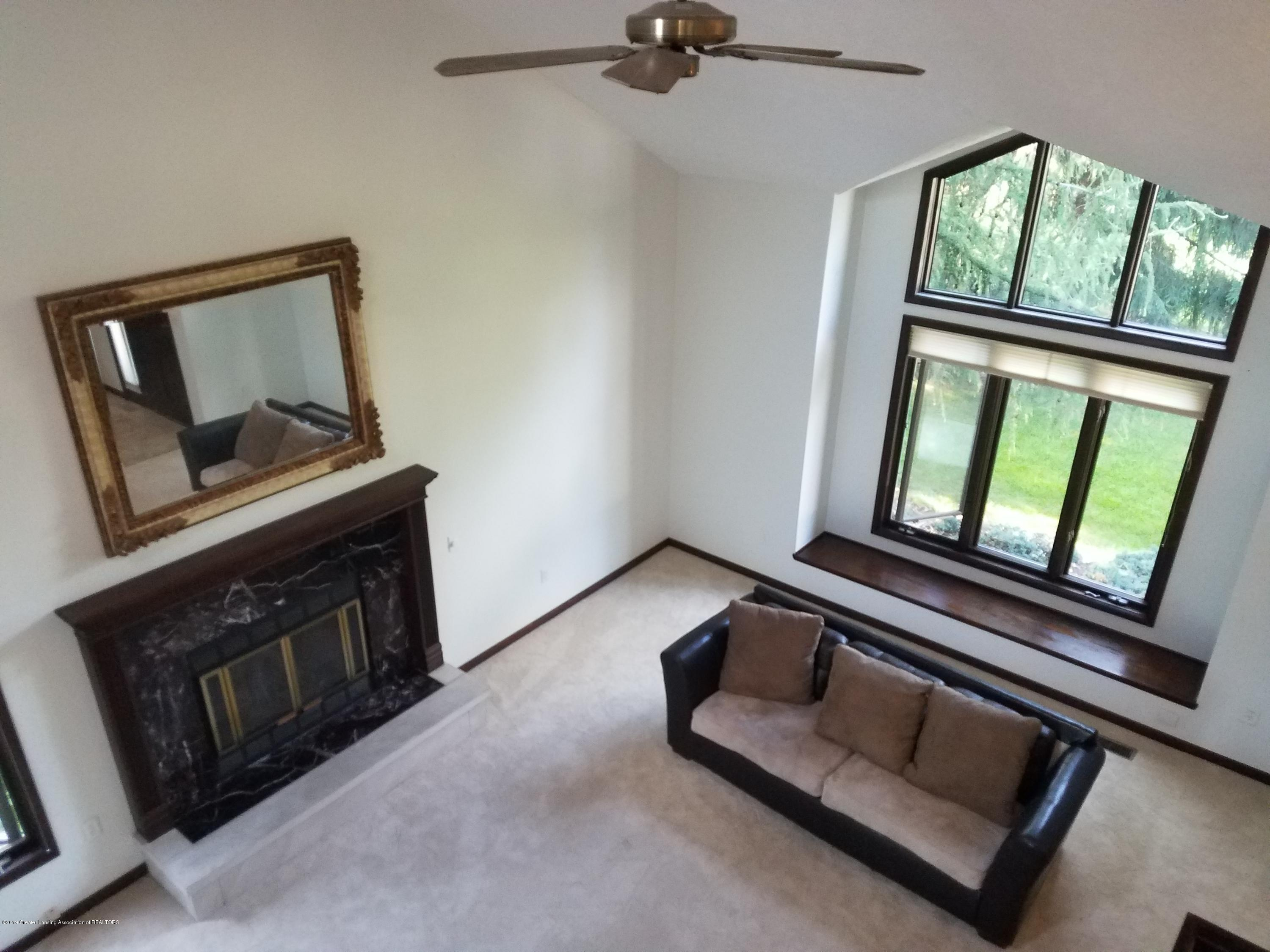 508 E Webb Dr - Living Room - 11