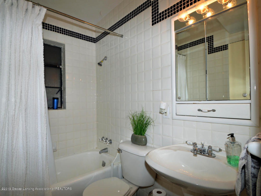 518 Lasalle Blvd - bathroom - 38