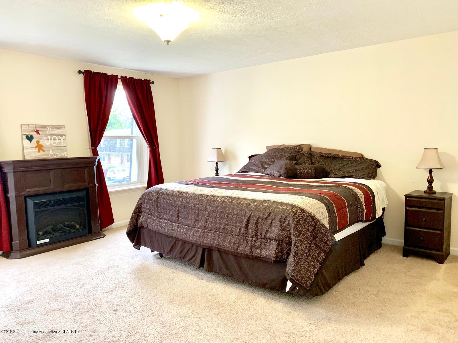 1742 Maisonette Dr - Master Bedroom - 5