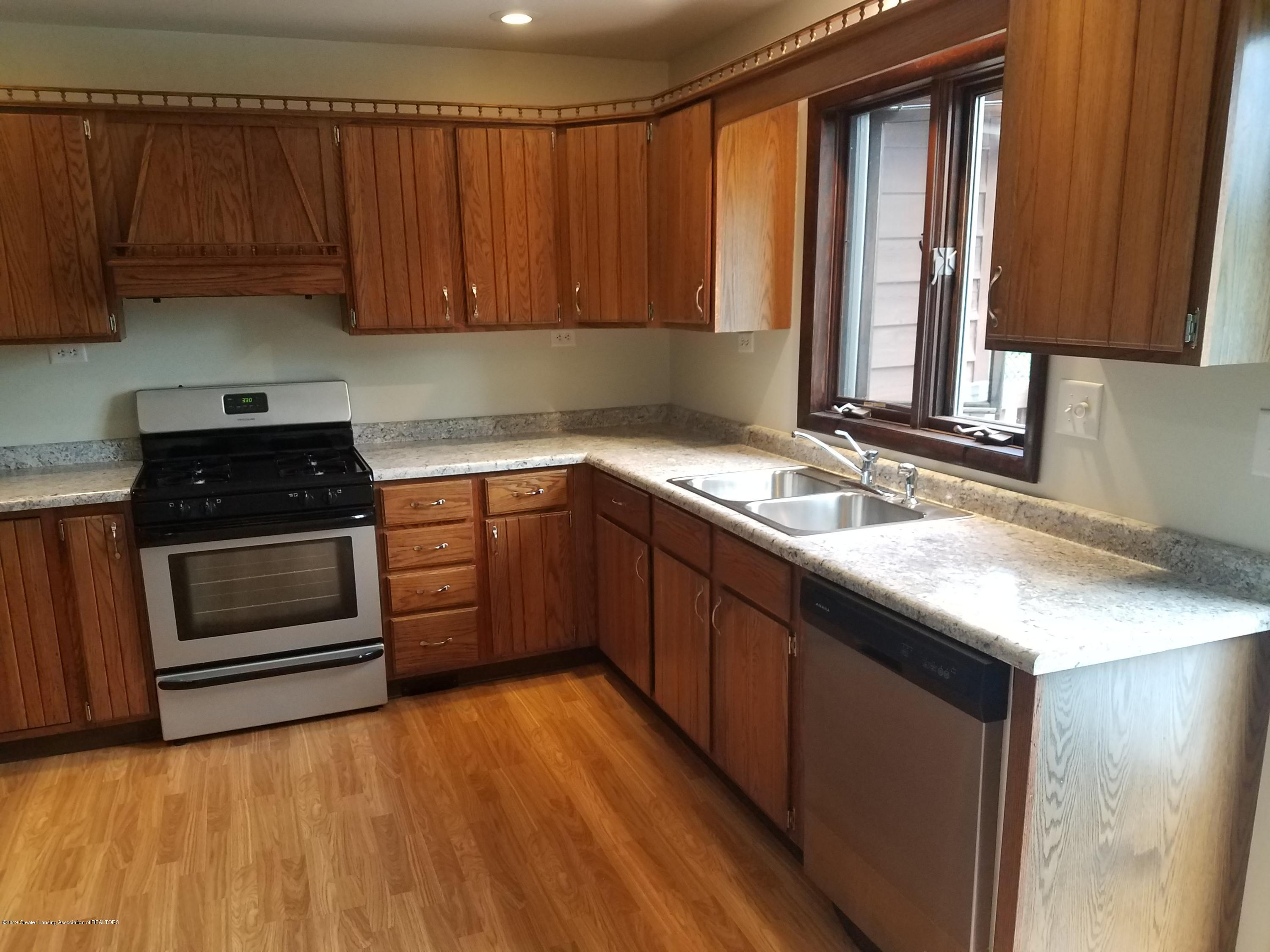 508 E Webb Dr - Kitchen - 2