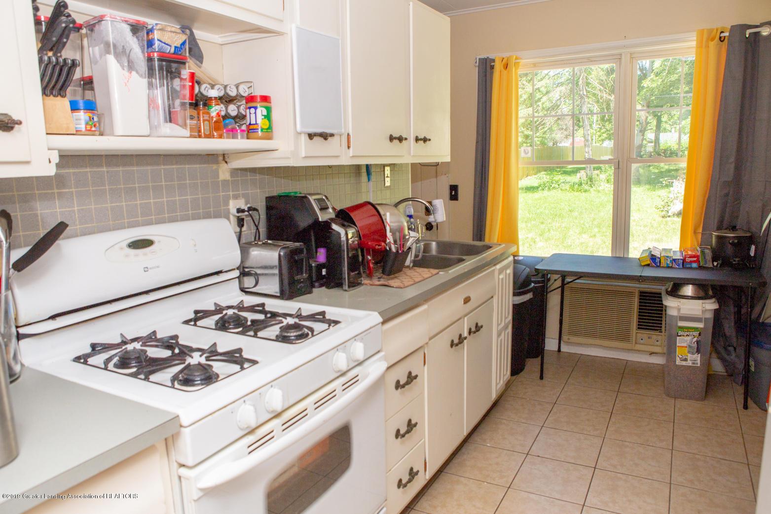 1326 Hillcrest St - Kitchen - 10