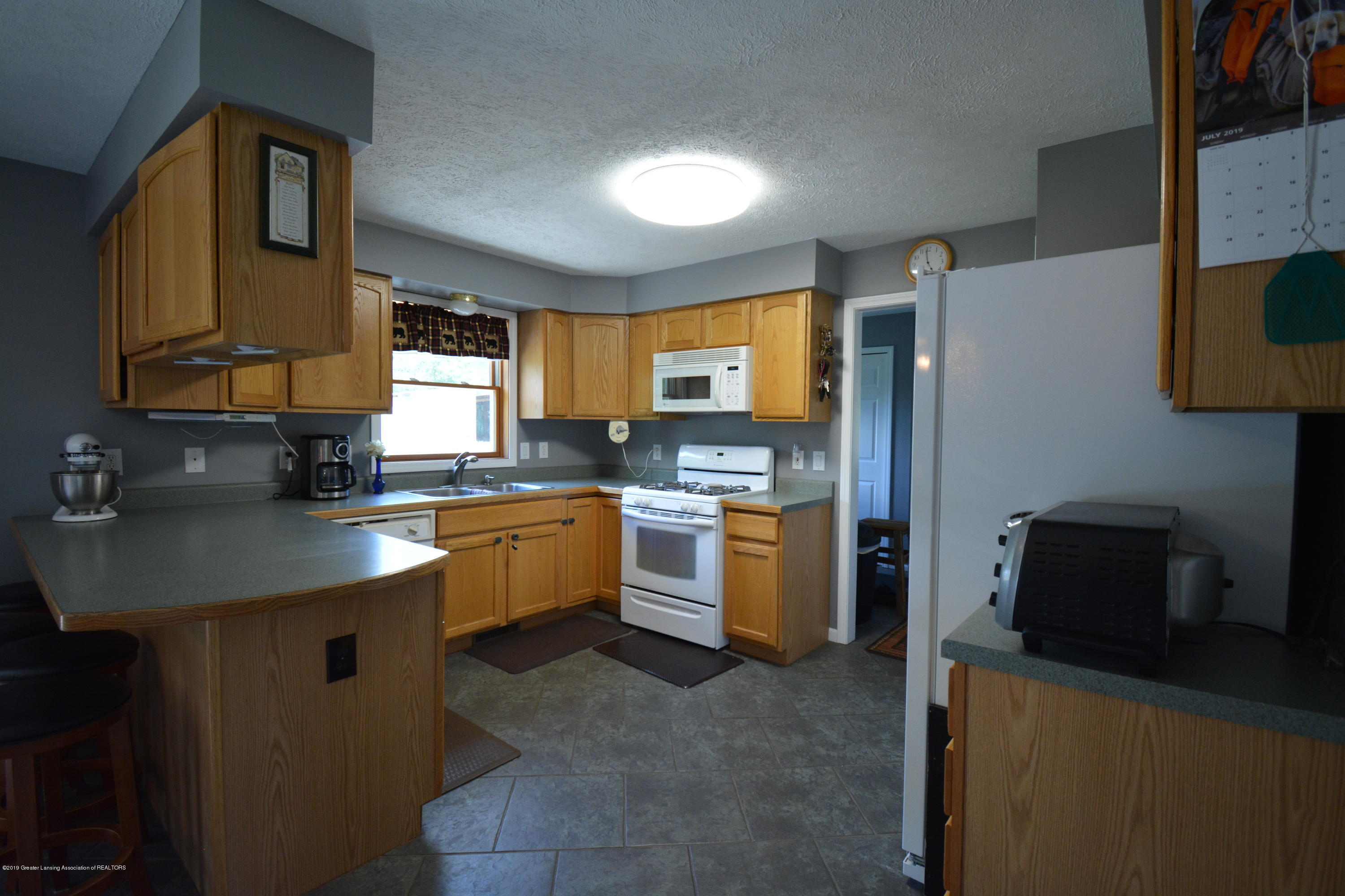 7459 Rossman Hwy - Kitchen View 2 - 13