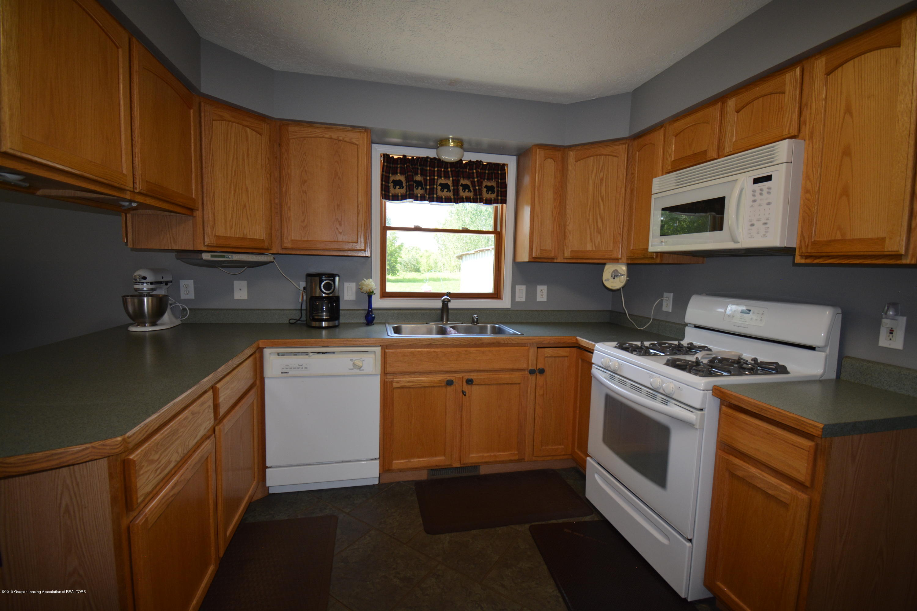 7459 Rossman Hwy - Kitchen View 3 - 14