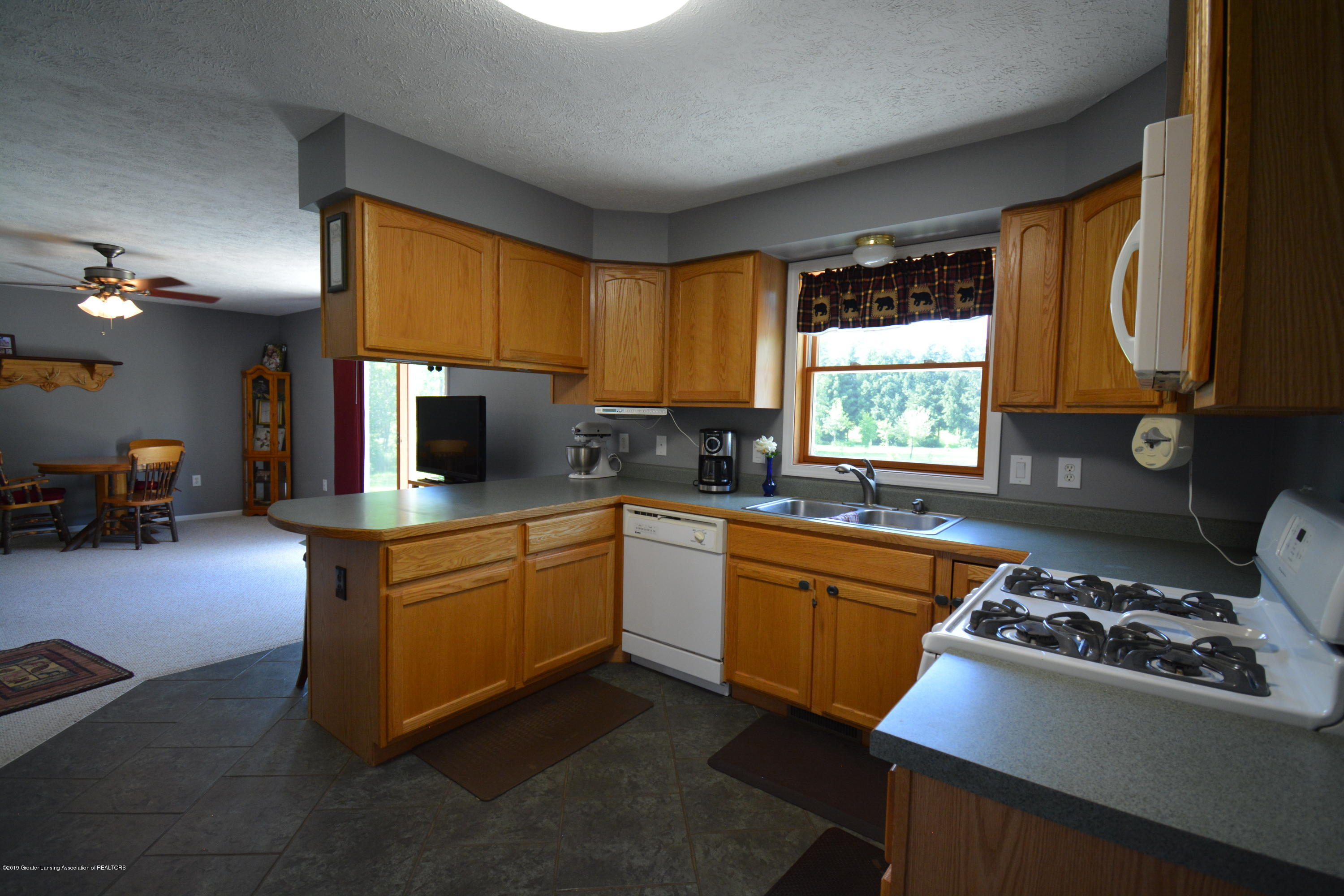 7459 Rossman Hwy - Kitchen View 4 - 15