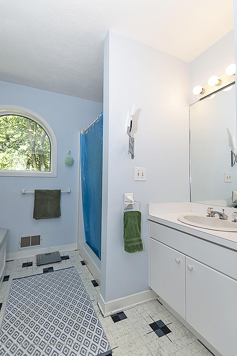 2473 Small Acres Ln - Master Bath - 26
