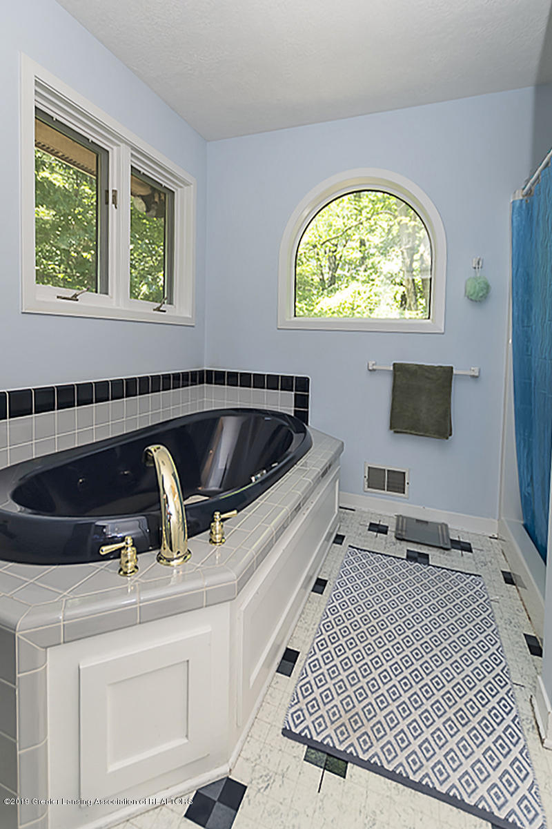 2473 Small Acres Ln - Master Bath - 25
