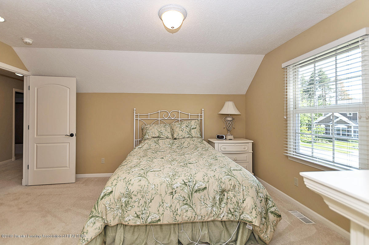 6268 Mereford Ct - 2nd floor apartment suite - 49