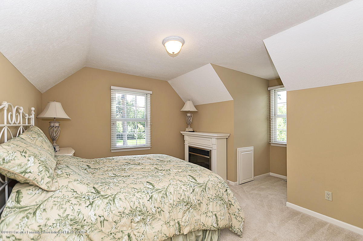 6268 Mereford Ct - 2nd floor apartment suite - 48