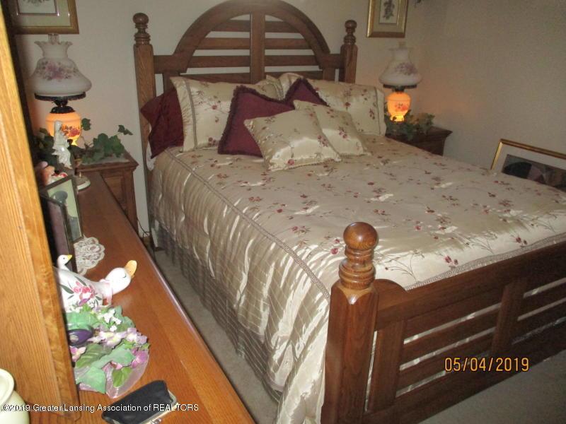 304 S Gratiot St - Bedroom - 14