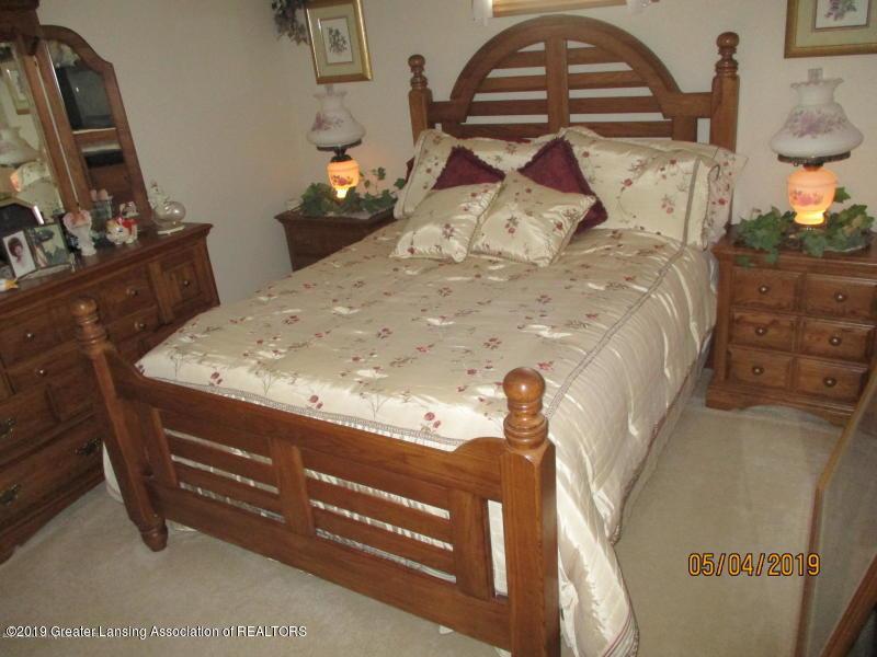 304 S Gratiot St - Bedroom - 15