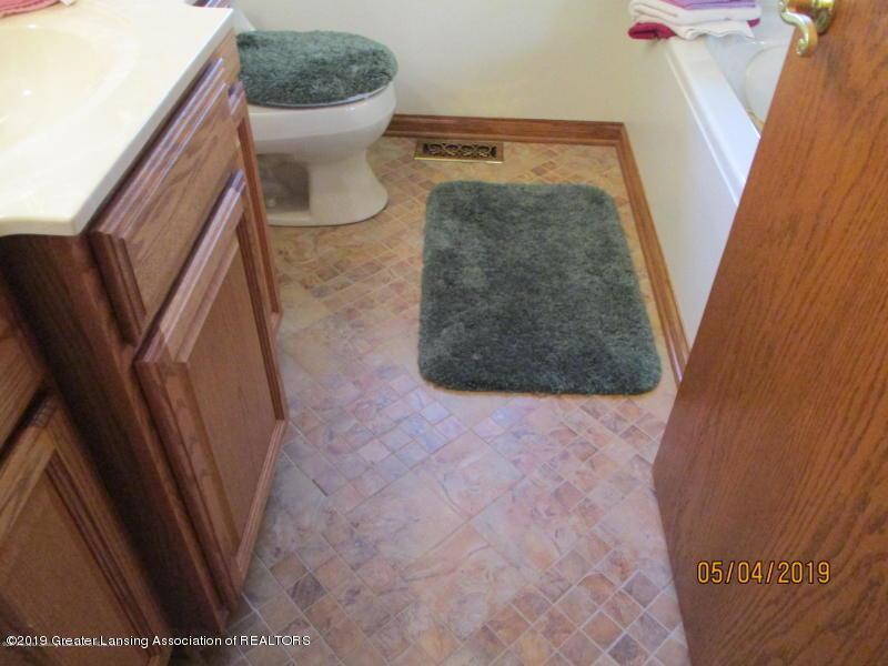 304 S Gratiot St - Bathroom - 18