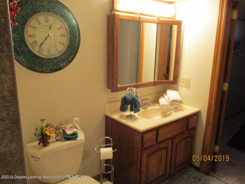 304 S Gratiot St - Bathroom - 23