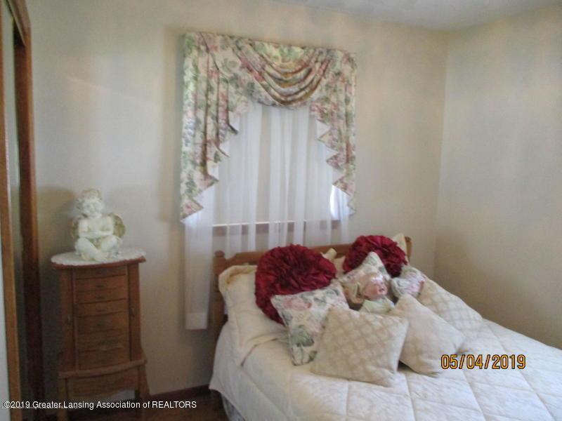 304 S Gratiot St - Bedroom - 26