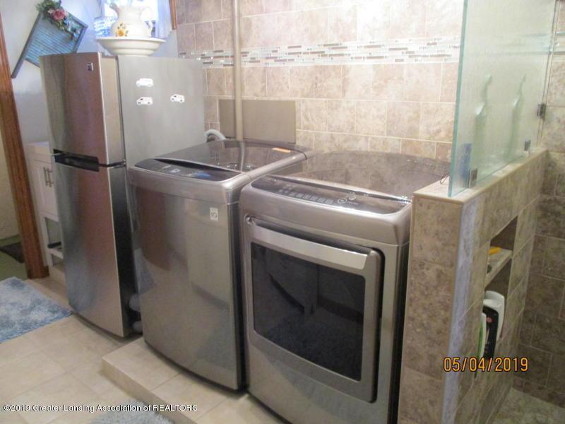 304 S Gratiot St - Laundry - 34