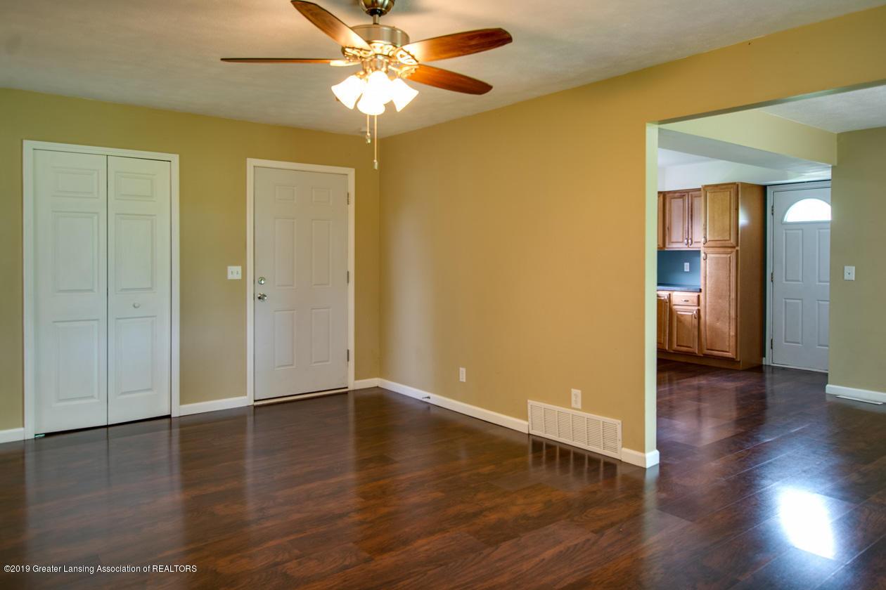 4357 M-52 - Living Room - 5
