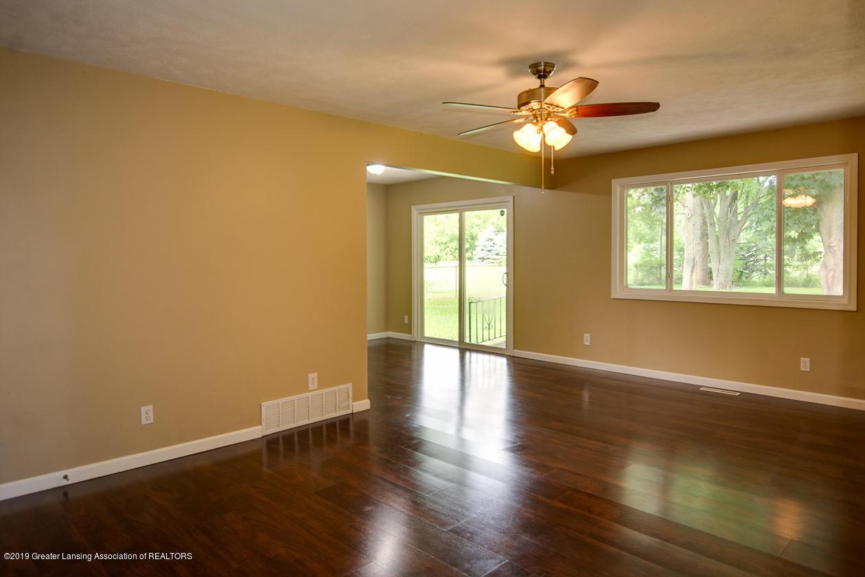 4357 M-52 - Living Room - 6