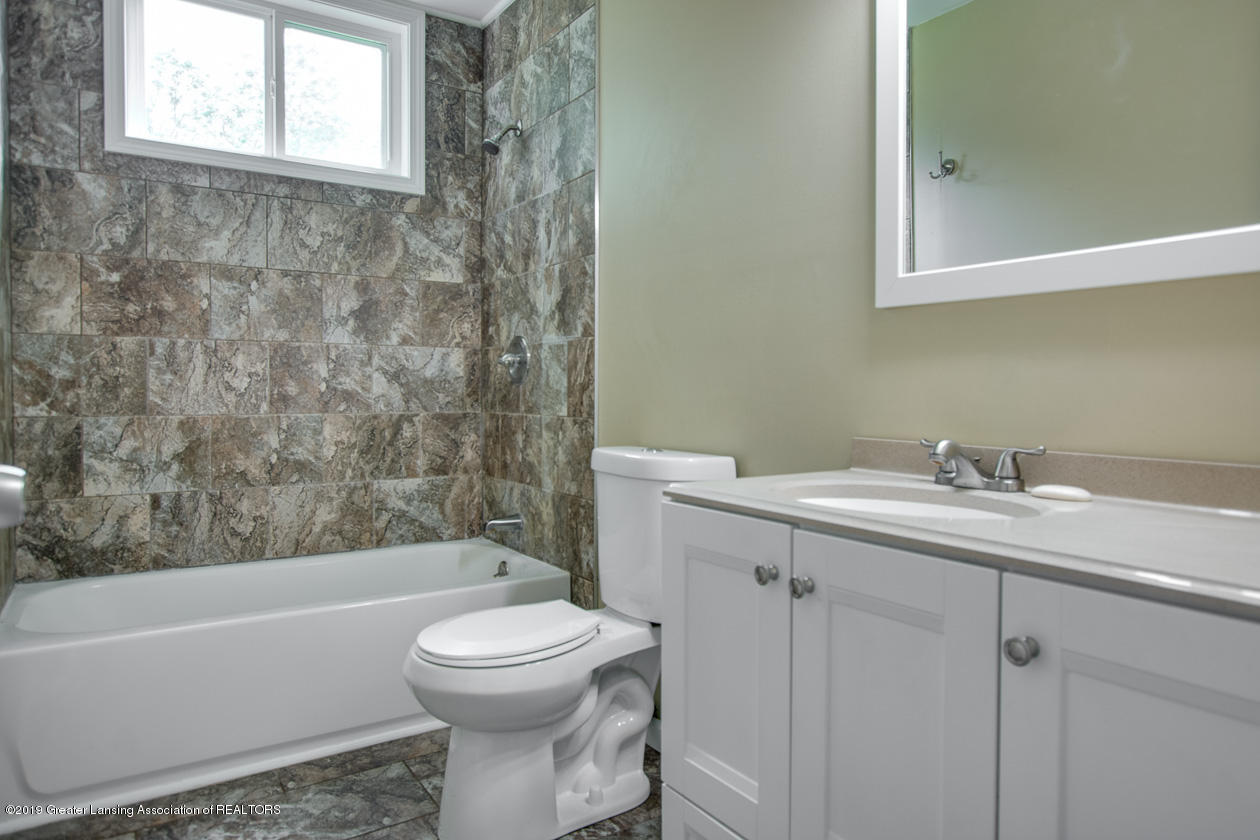 4357 M-52 - Bathroom - 15