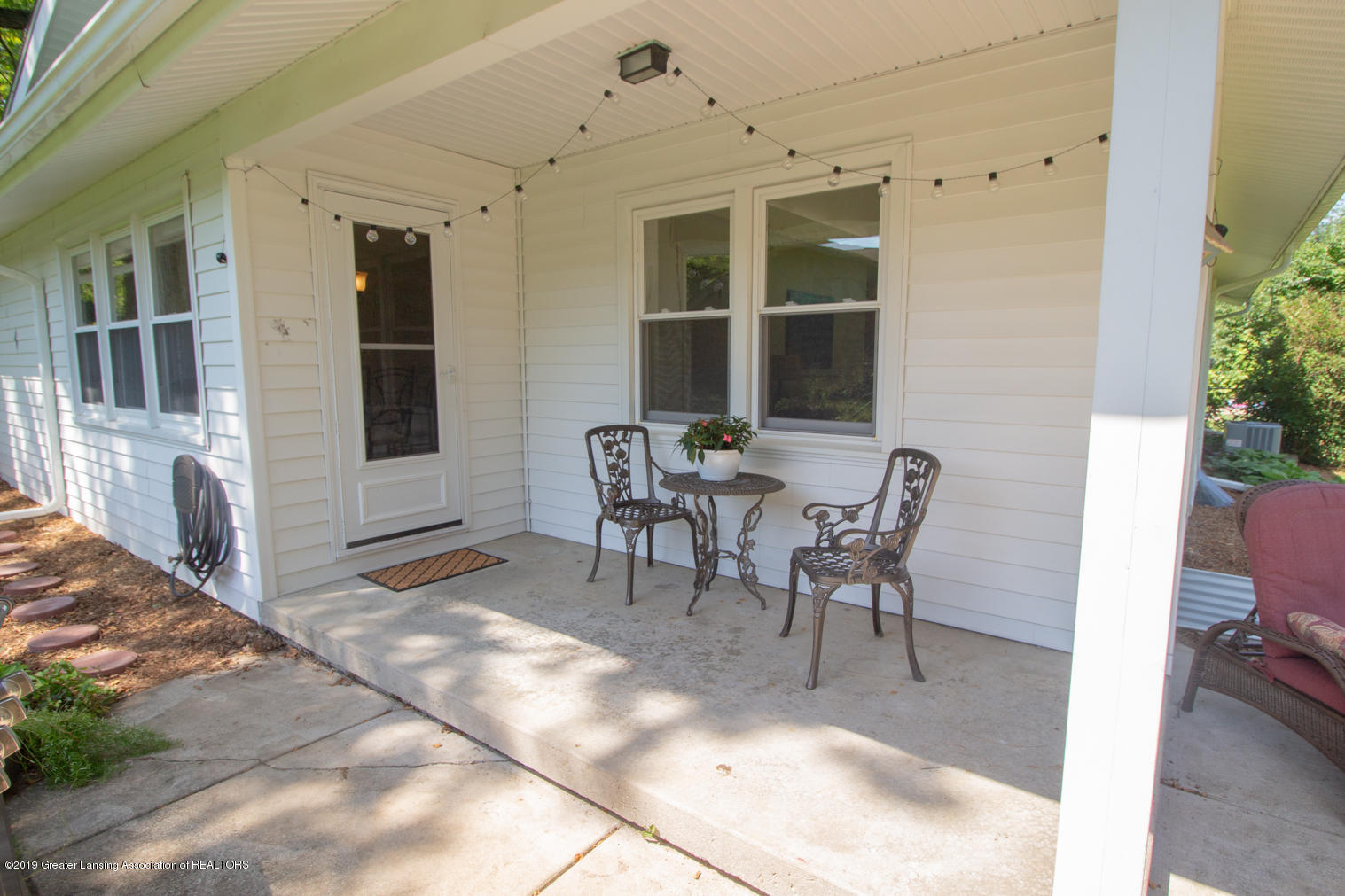 2002 Osage Dr - Porch/Patio - 32