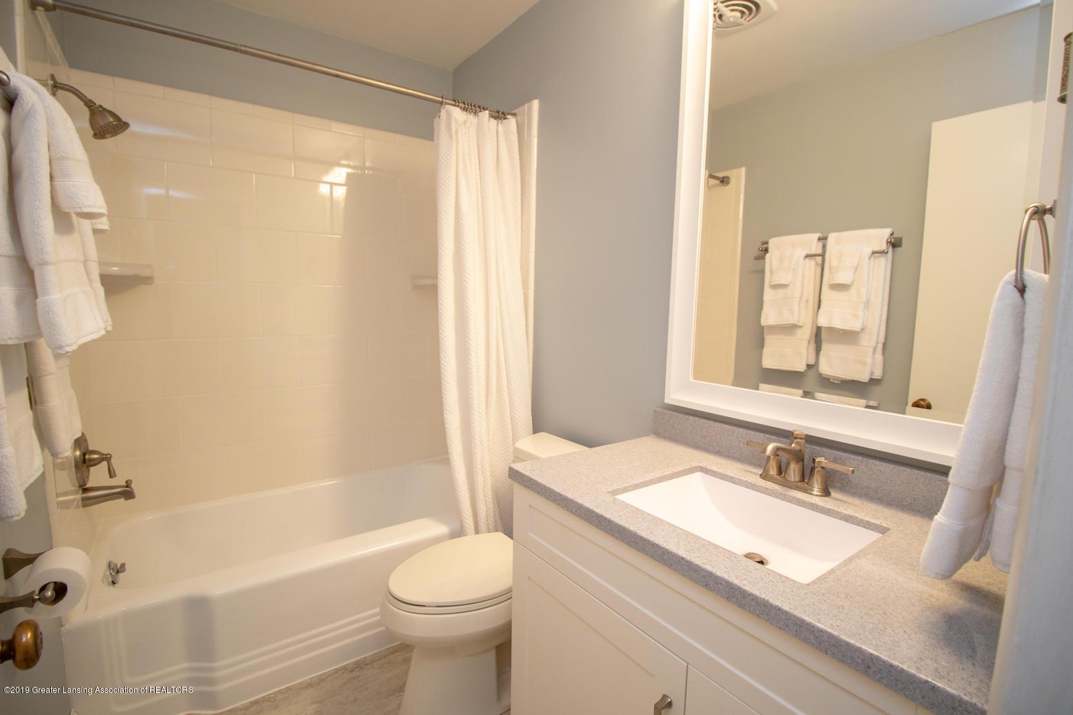 2002 Osage Dr - Bathroom 2 - 21