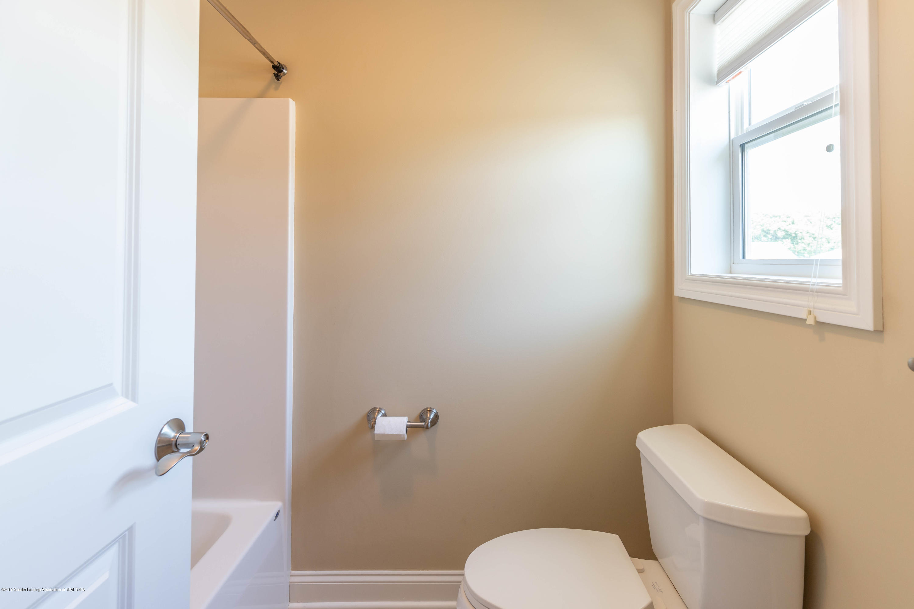 16580 Sanctuary Cir - Bathroom 2 - 38