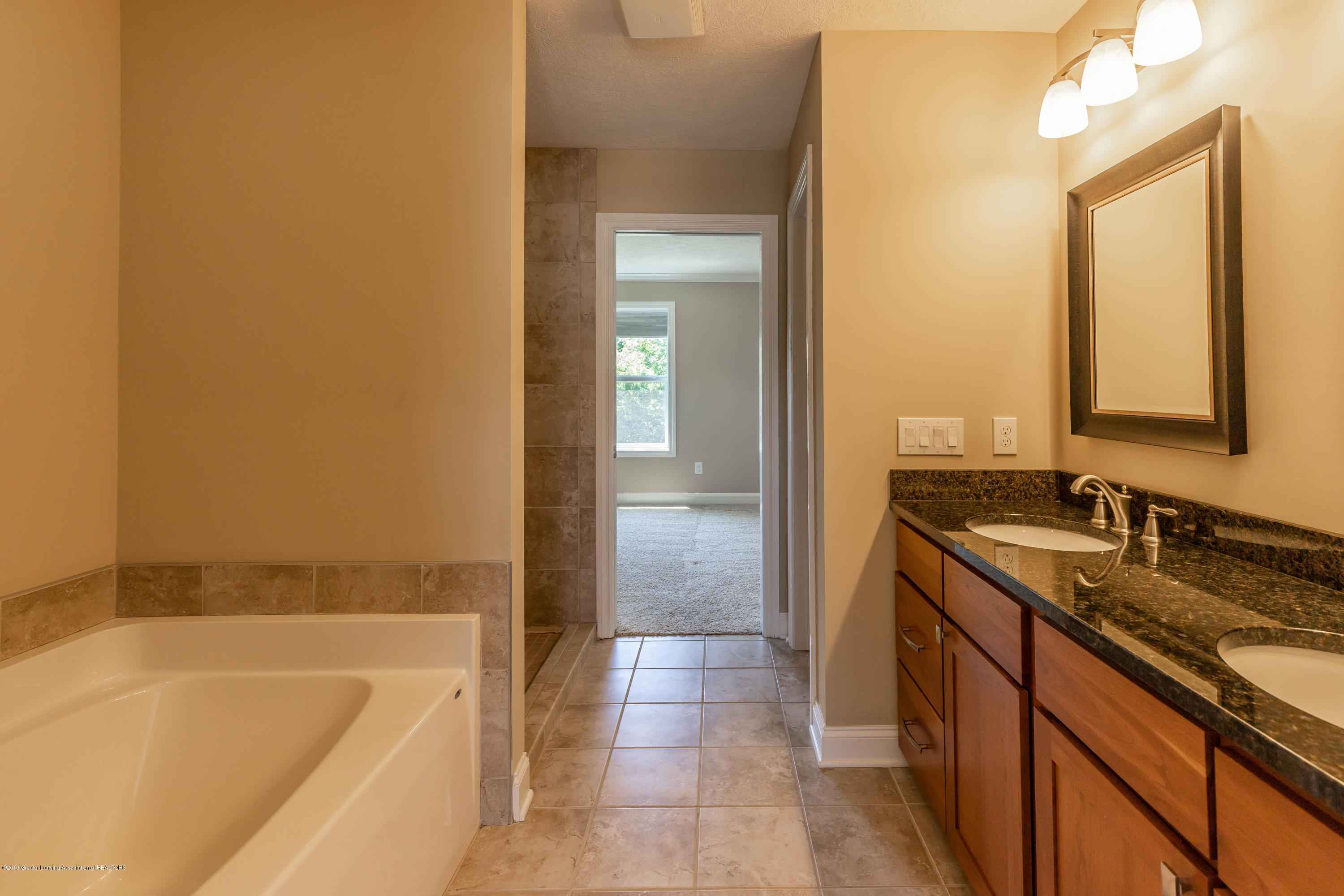 16580 Sanctuary Cir - Master bath - 25