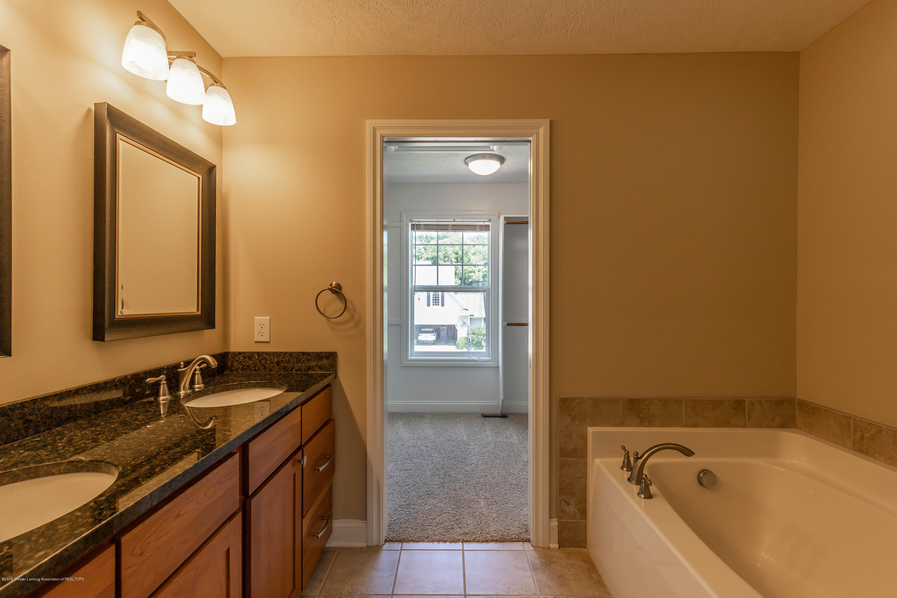 16580 Sanctuary Cir - Master bath - 27