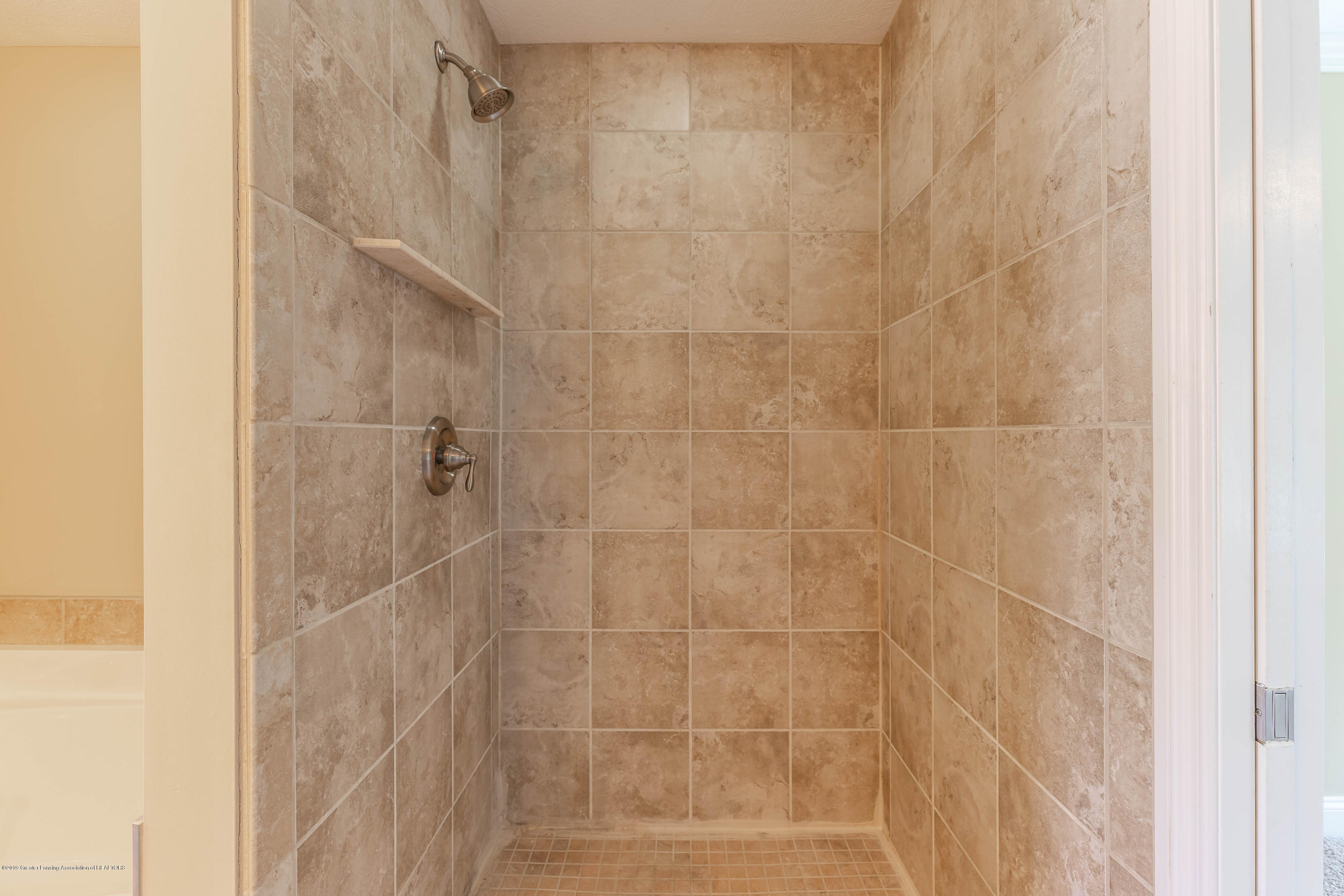 16580 Sanctuary Cir - Master bath - 29