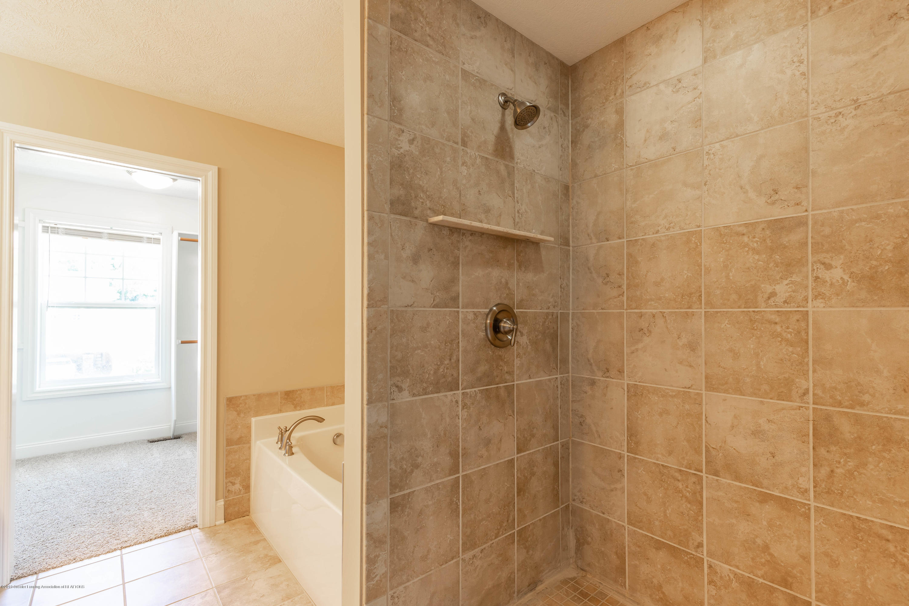 16580 Sanctuary Cir - Master bath - 30