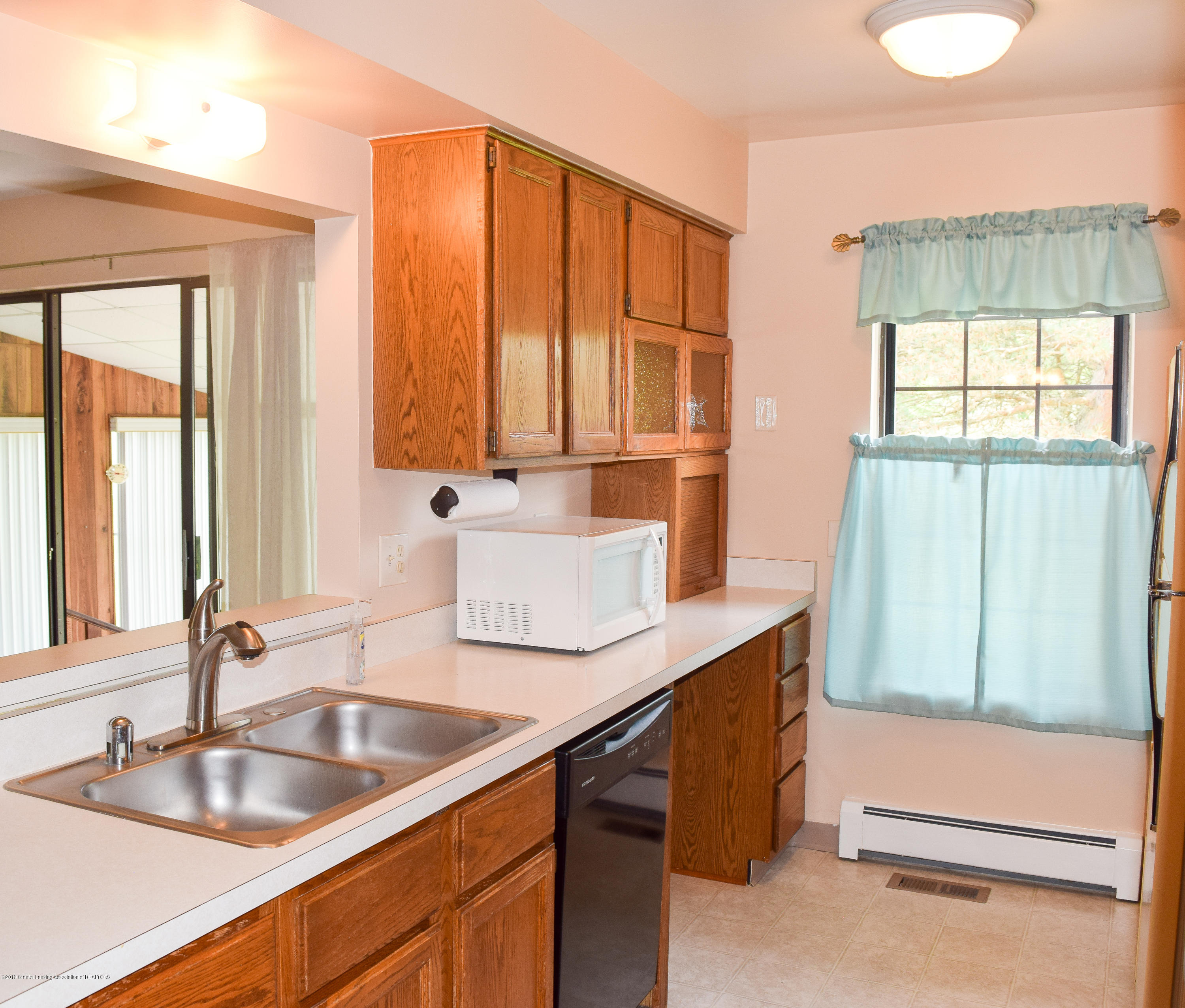 472 Red Cedar Blvd 1 - Kitchen - 12