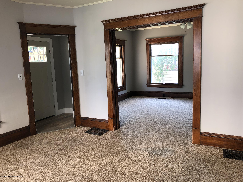319 W Lovett St - Living Room - 3
