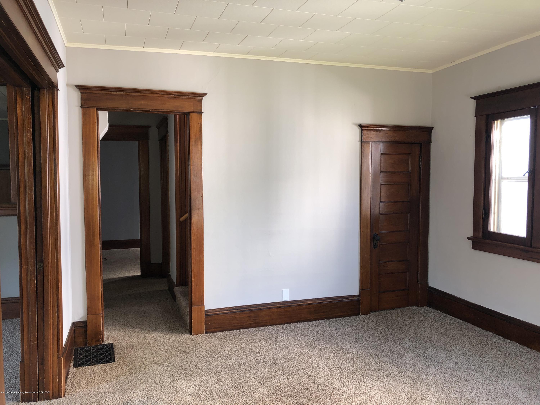 319 W Lovett St - Living Room - 4