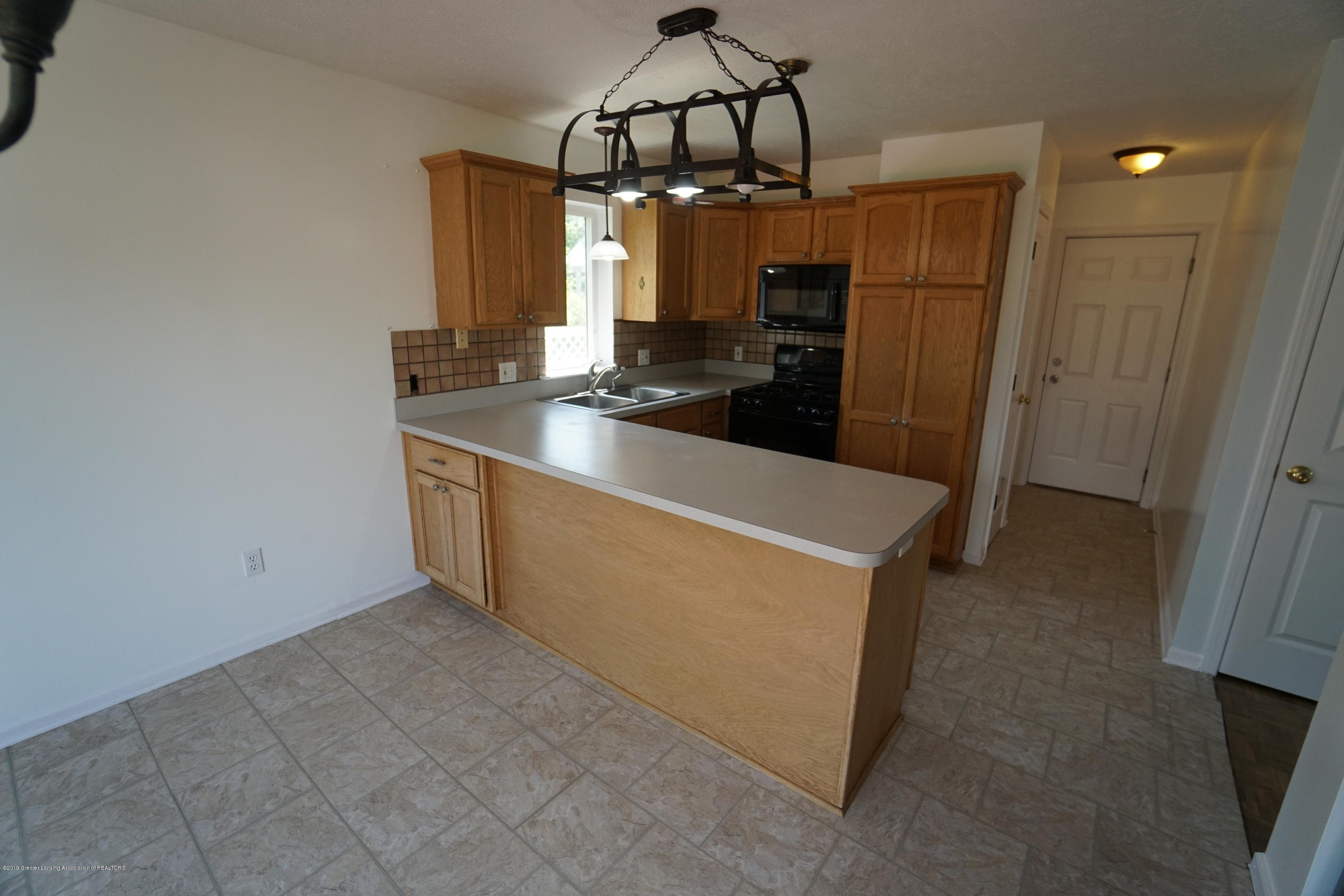 13545 Hunters Crossing - Kitchen - 12
