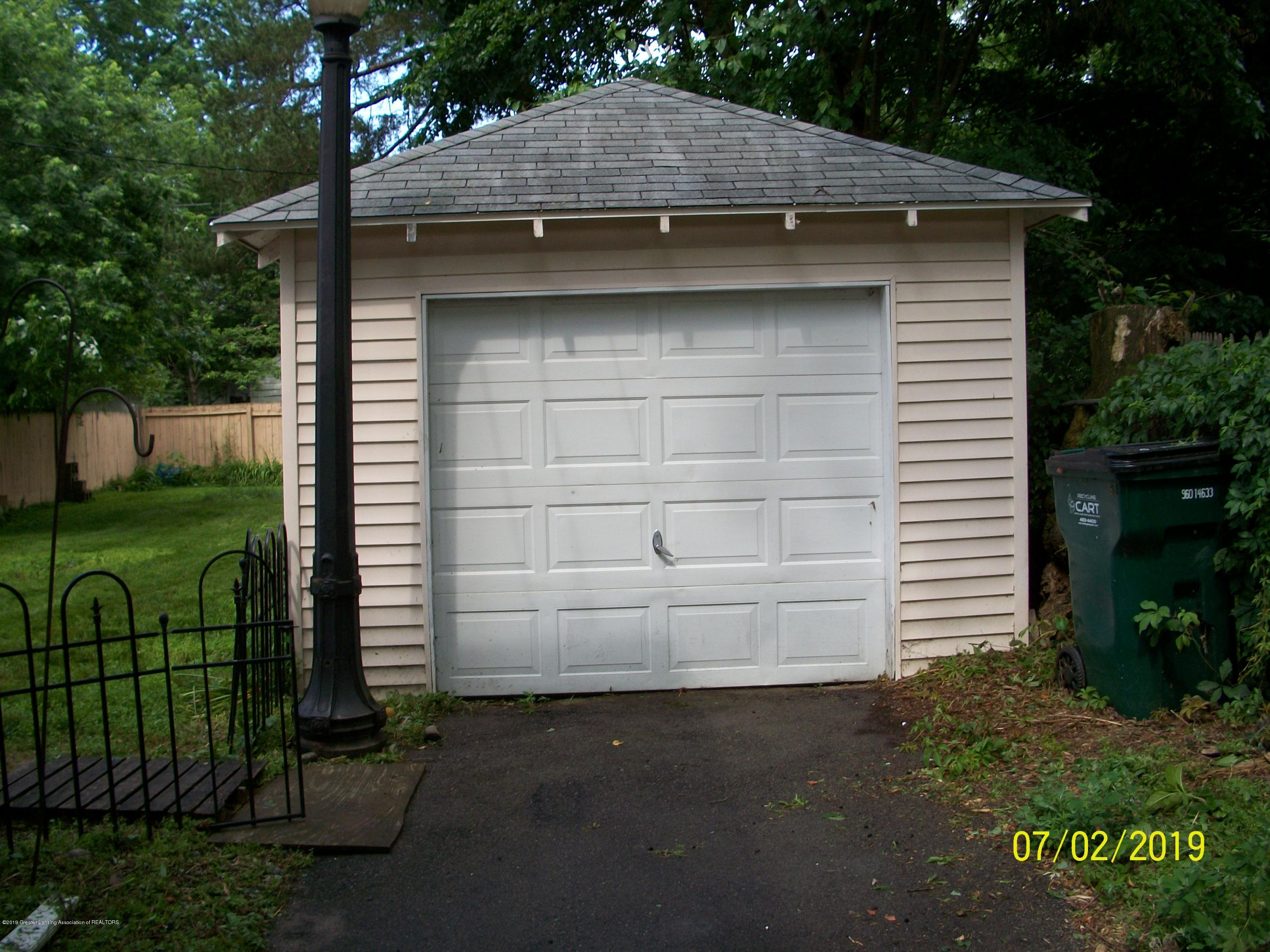 1704 Alpha St - Garage - 2