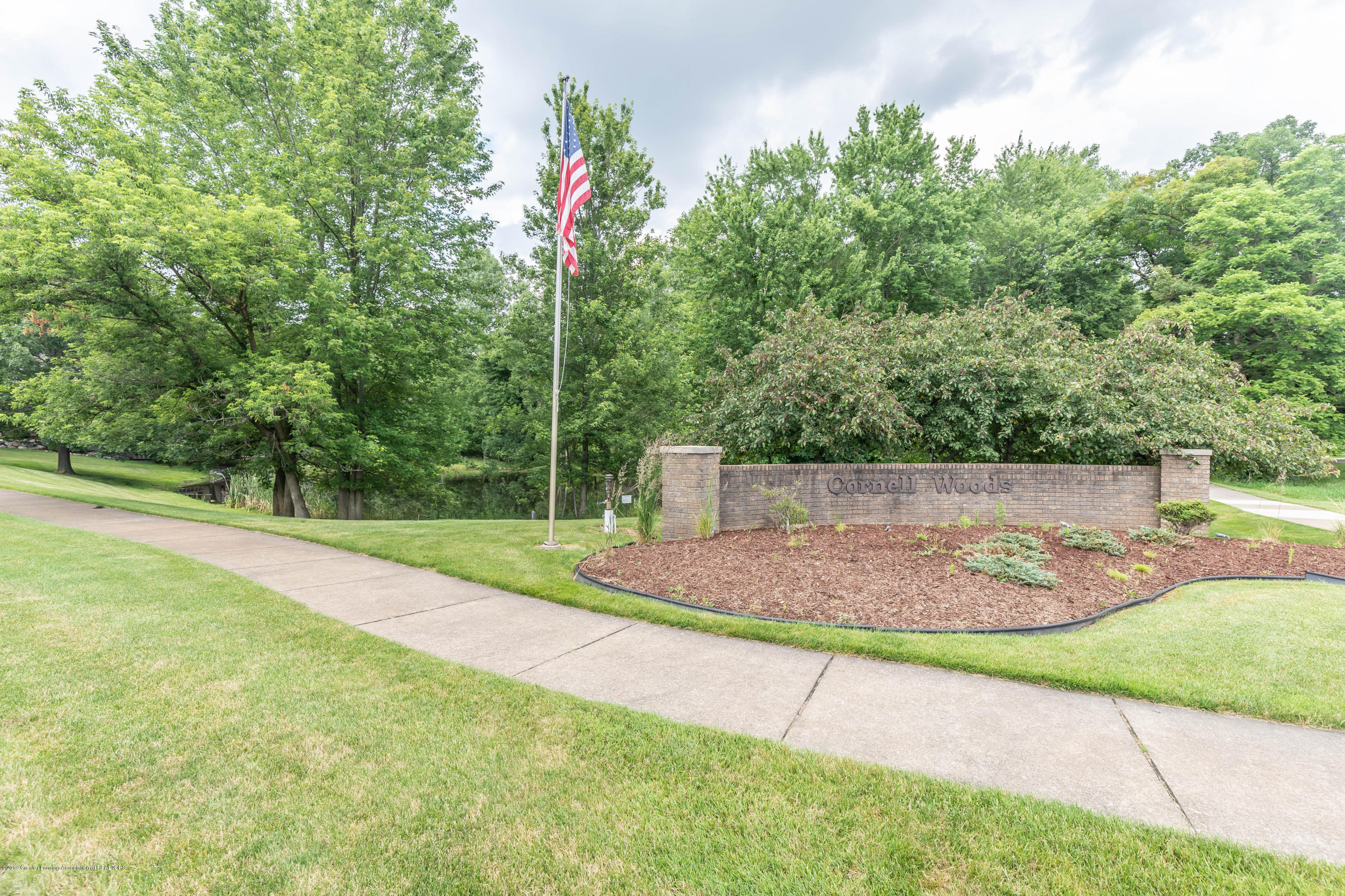 1279 Silverwood Dr - silverwood (1 of 1) - 2
