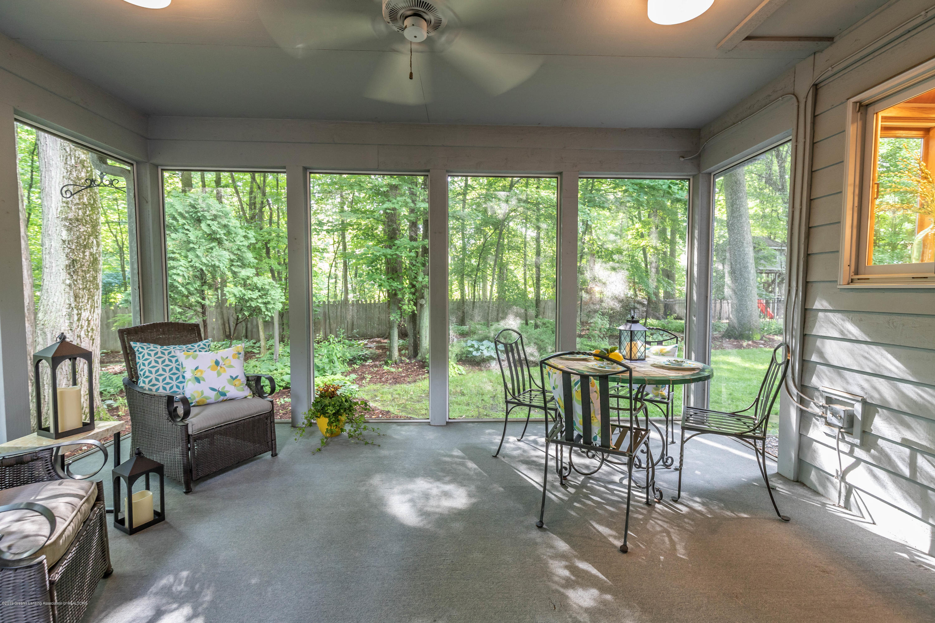 1279 Silverwood Dr - silverwoodporch (1 of 1) - 79
