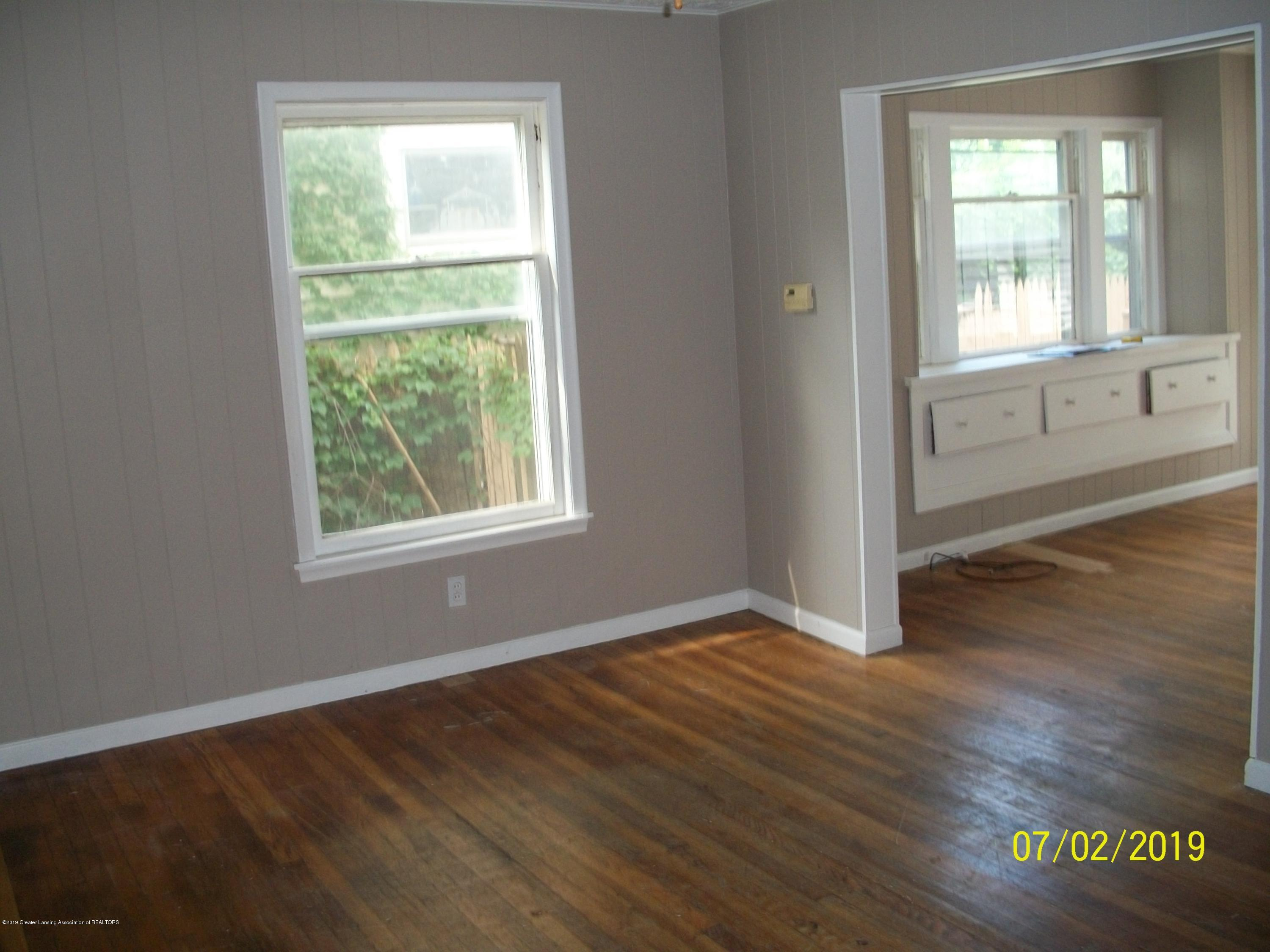 1704 Alpha St - Living Room - 5