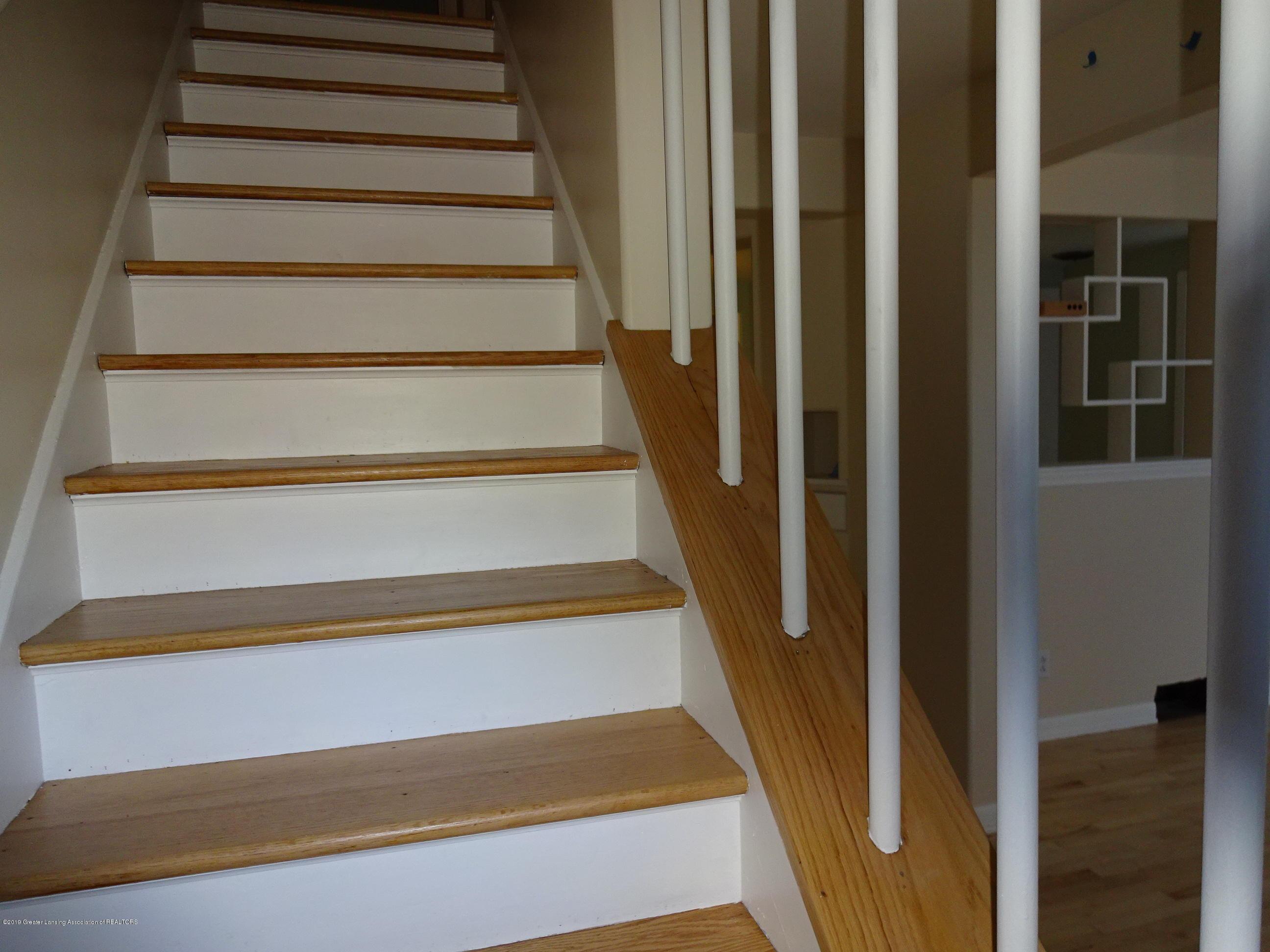 4632 Old Lansing Rd - old lansing rd stairs - 7