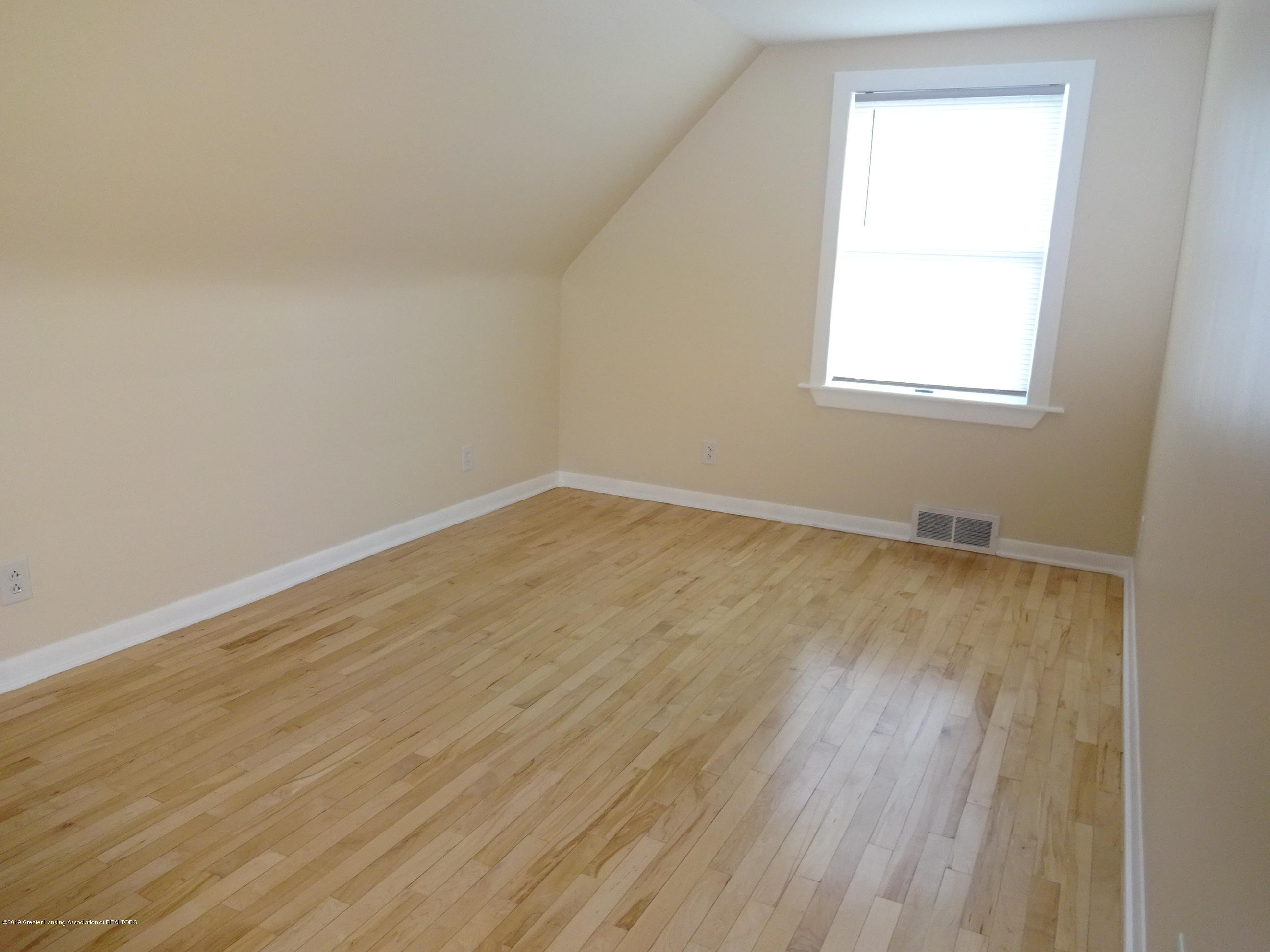 4632 Old Lansing Rd - old lansing rd bedroom 3 - 9
