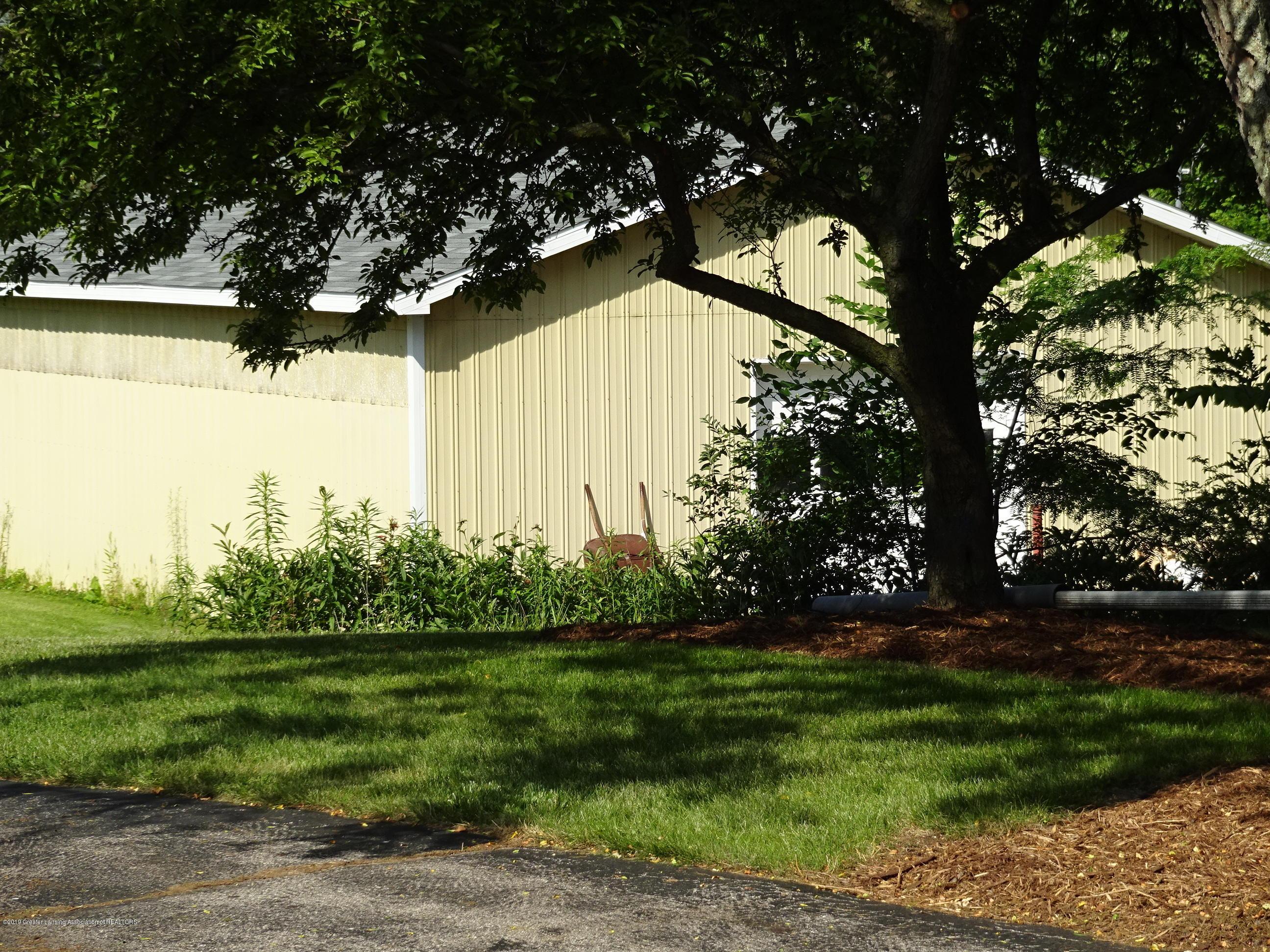 4632 Old Lansing Rd - old lansing rd pole barn - 17