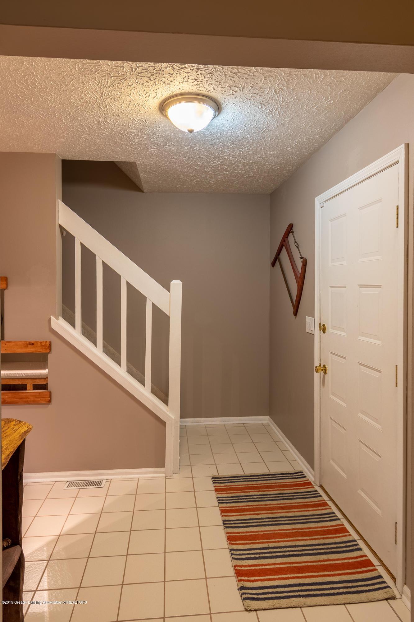 1175 Haslett Rd - Foyer - 6