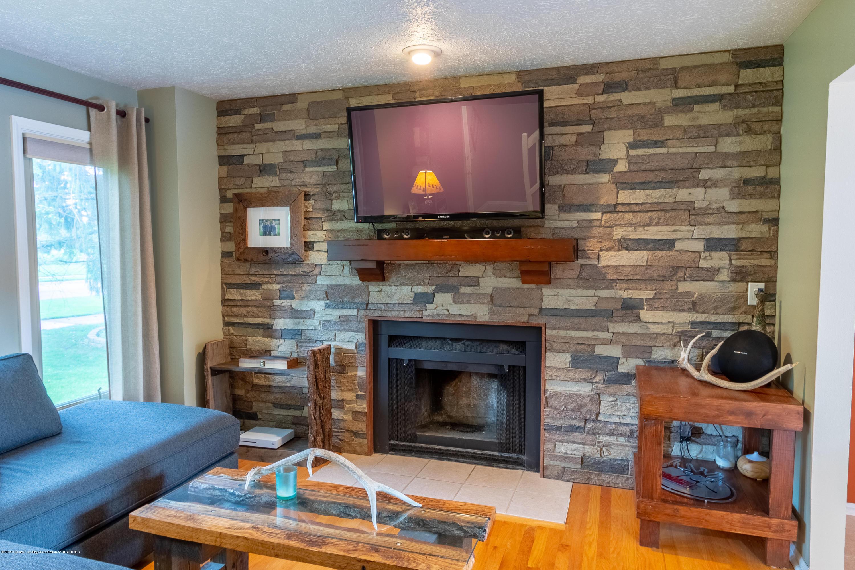 1175 Haslett Rd - Living Room - 10