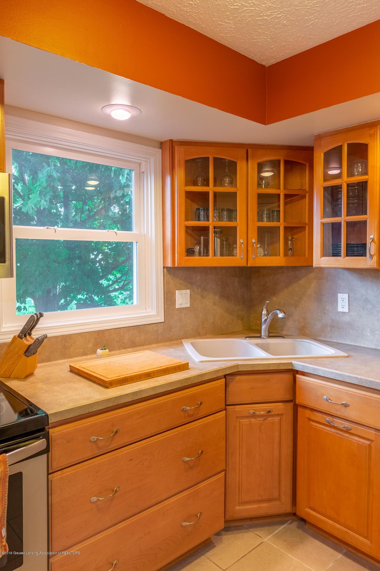 1175 Haslett Rd - Kitchen - 16