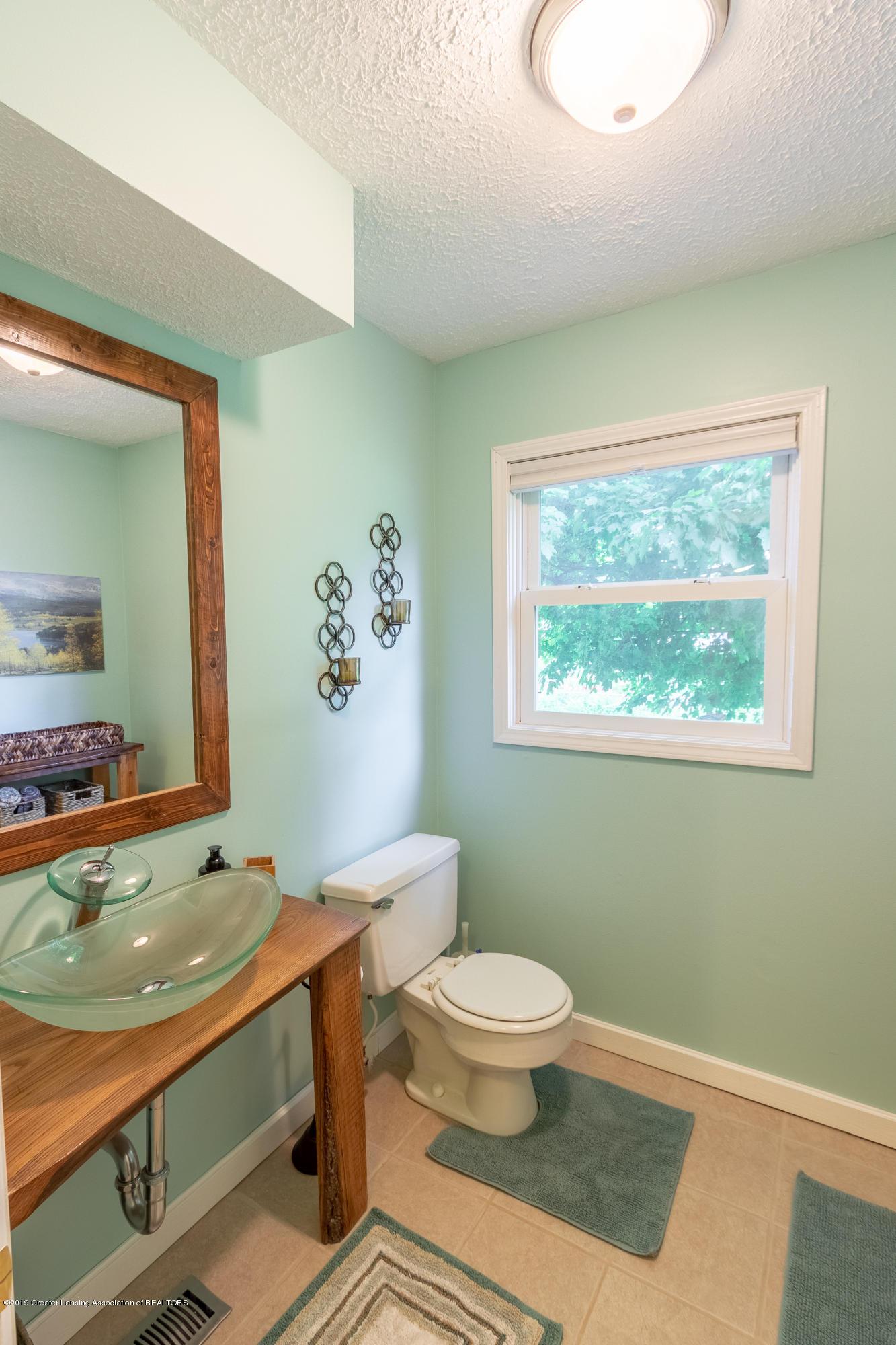 1175 Haslett Rd - Bathroom - 19