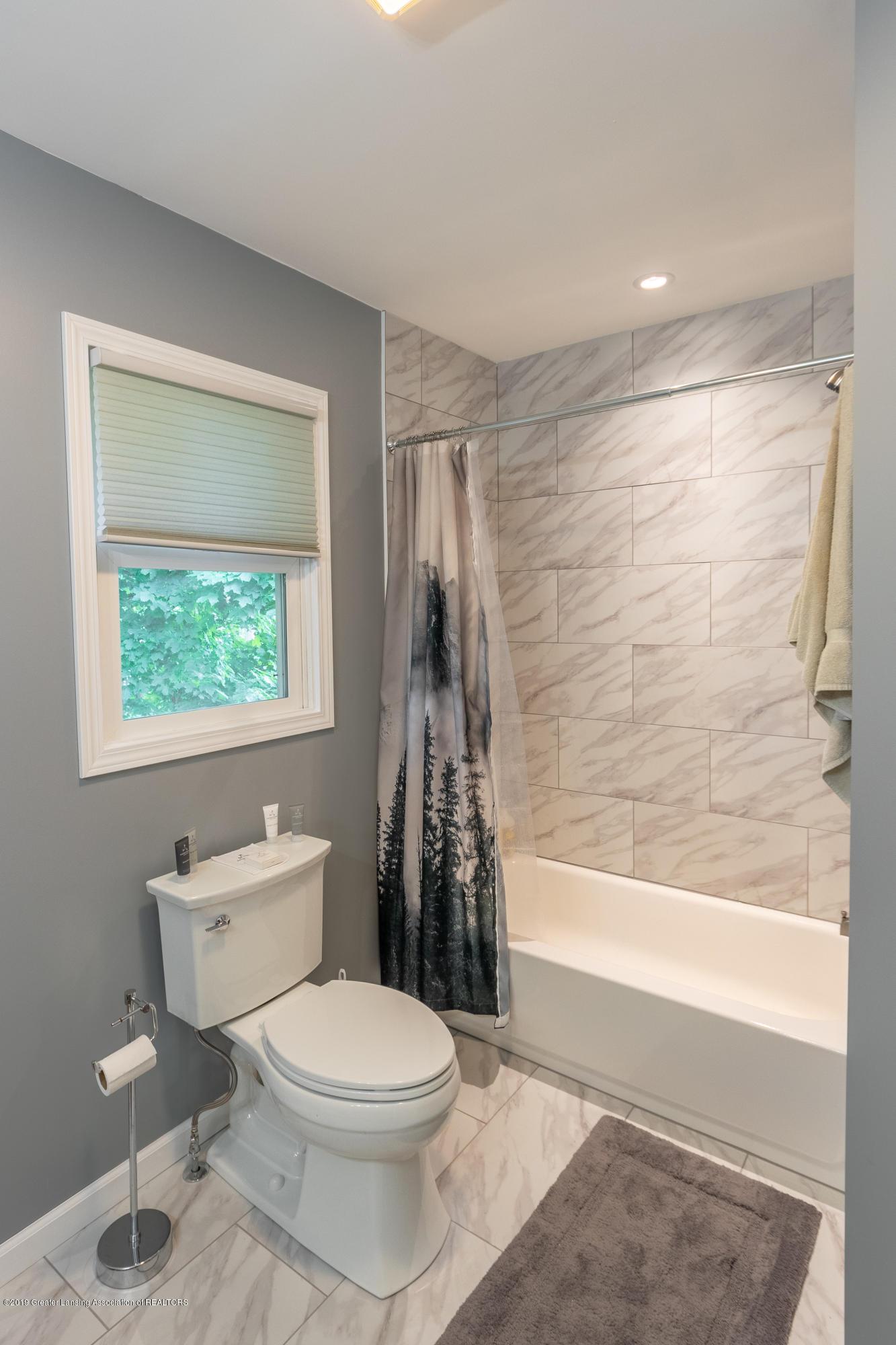 1175 Haslett Rd - Bathroom - 31