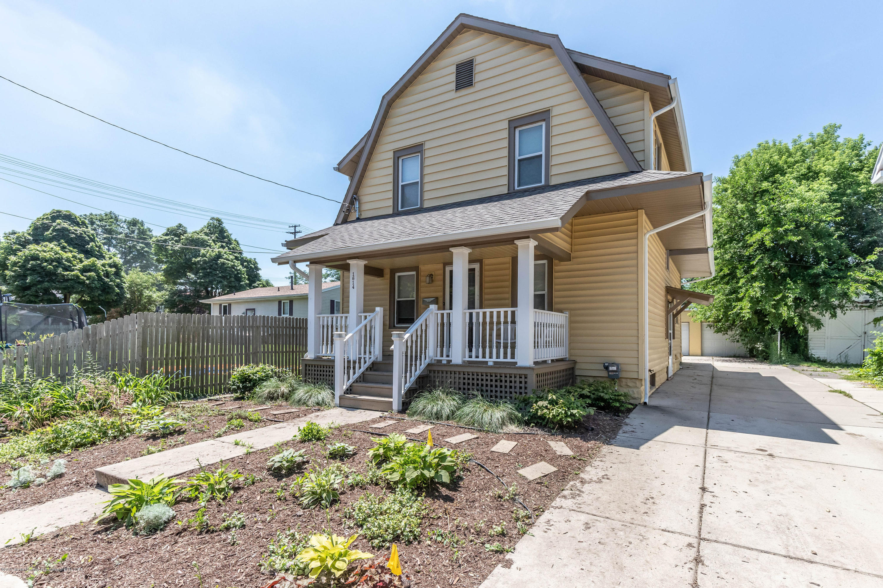 1614 Delevan Ave - Front - 1