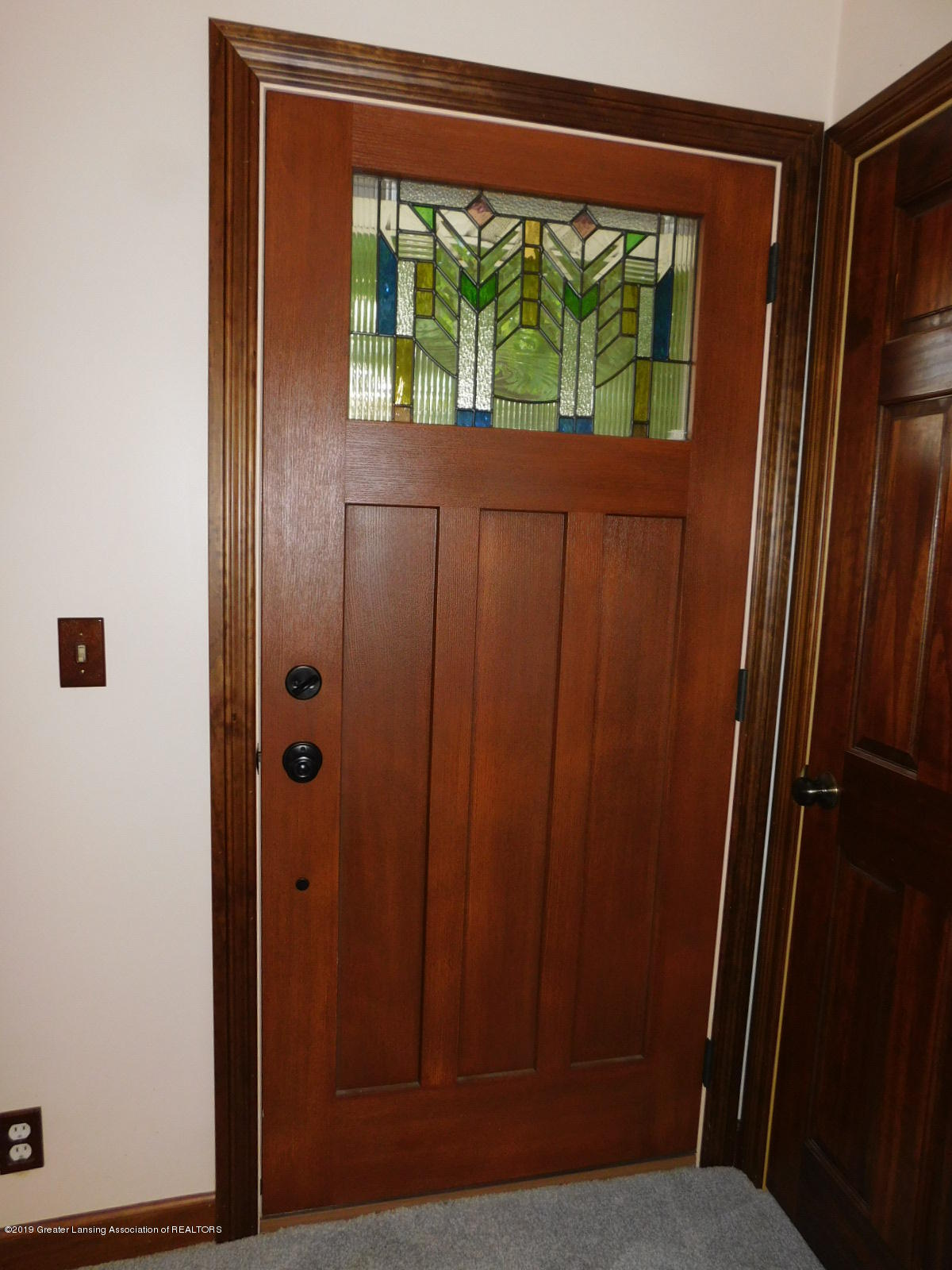 725 Merrill Ave - BEAUTIFUL FRONT DOOR - 5