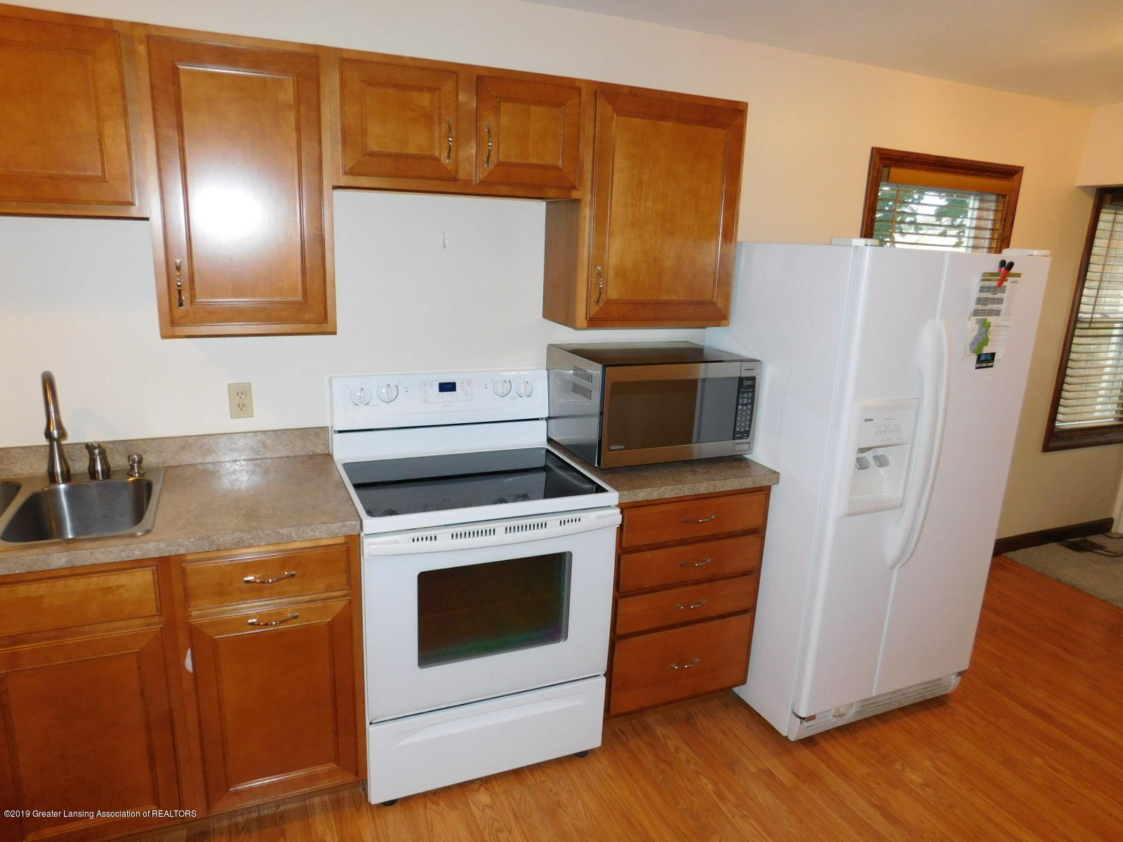 725 Merrill Ave - KITCHEN - 12